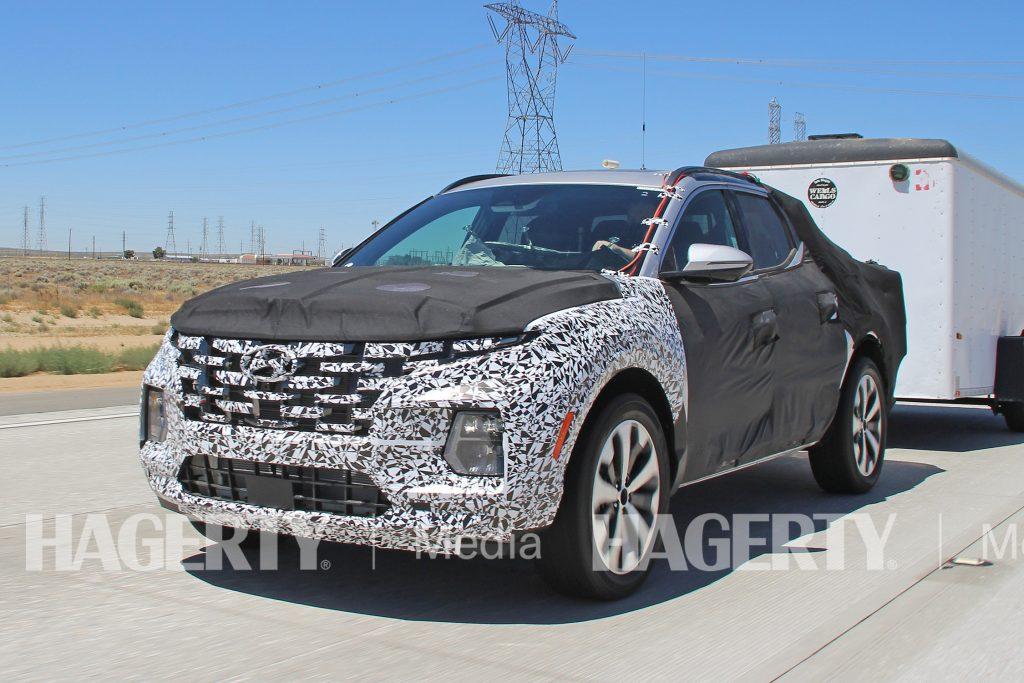 Hyundai Santa Cruz Pickup Front Three-Quarter Action