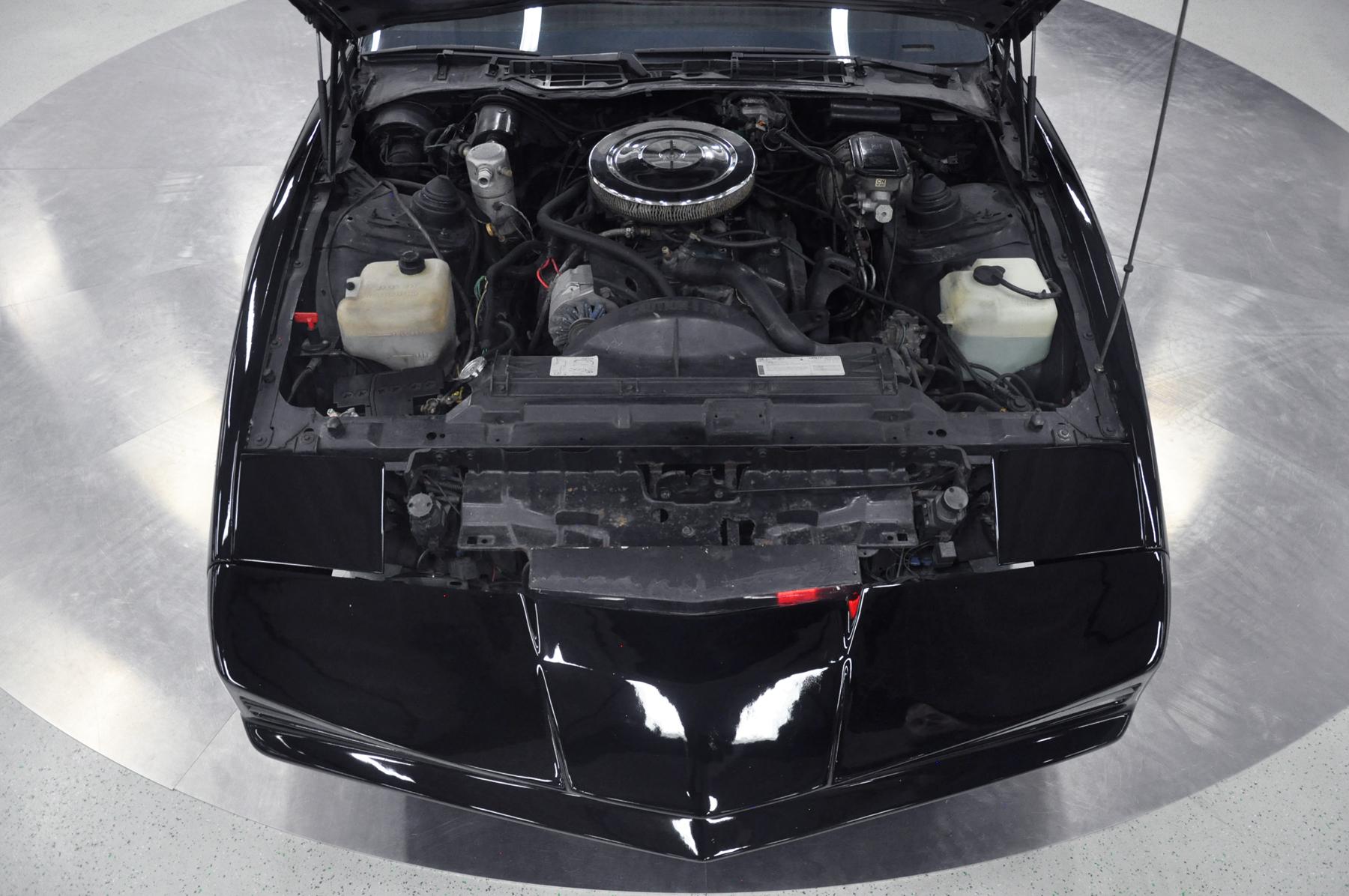 KITT - 1982 Pontiac Firebird Trans Am - Engine