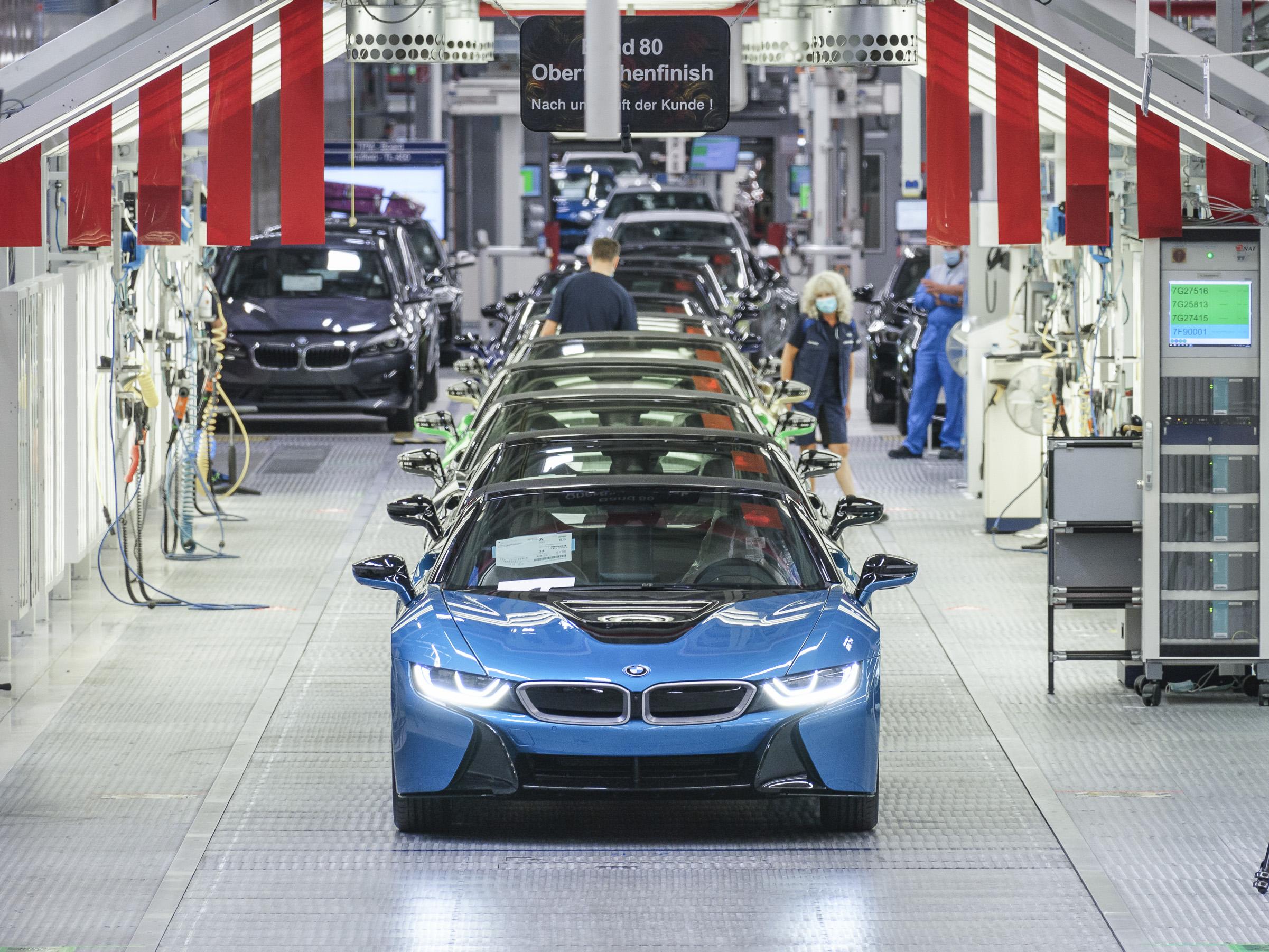 BMW i8 final 18 -factory 3