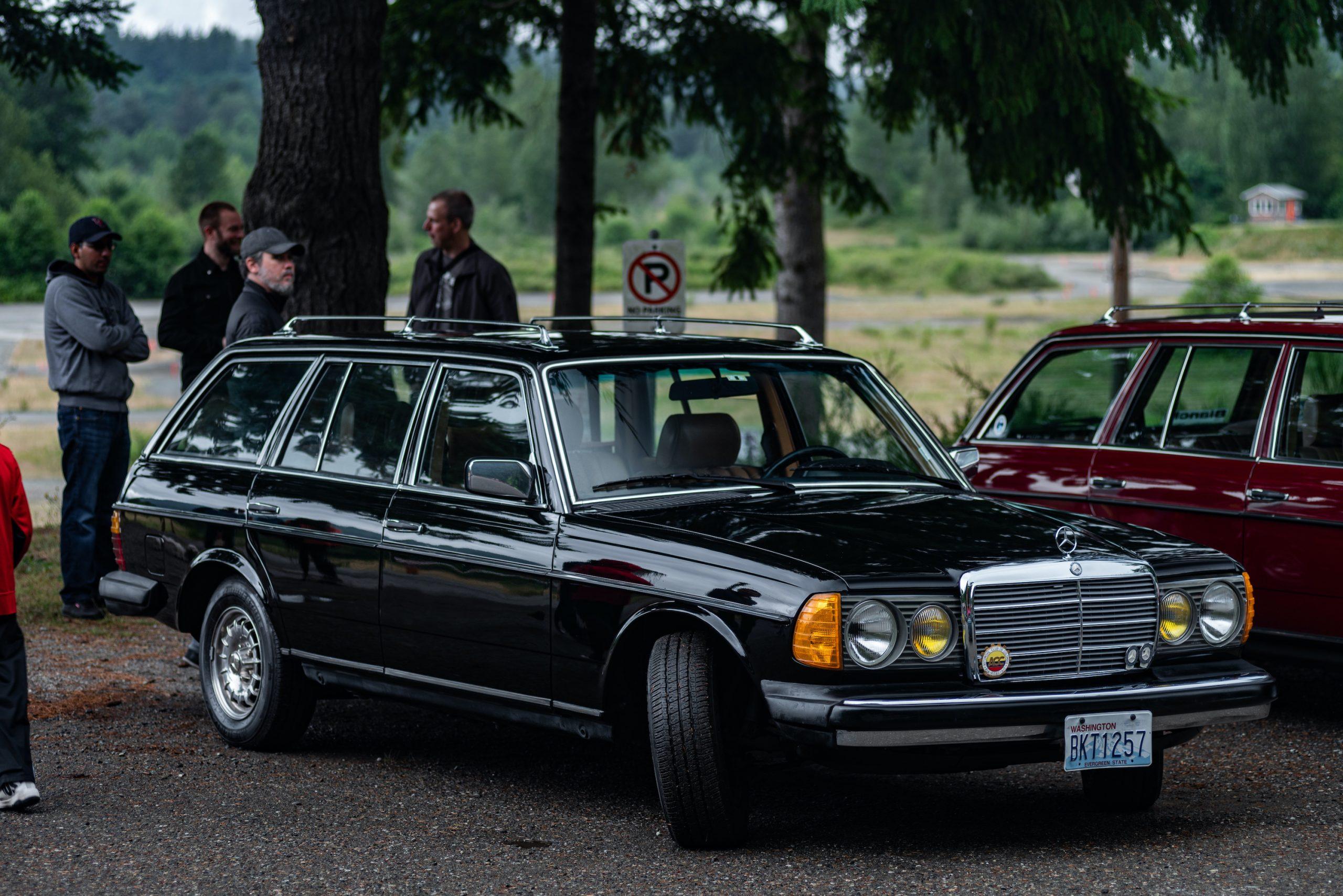 Mercedes-Benz Wagon Front Three-Quarter