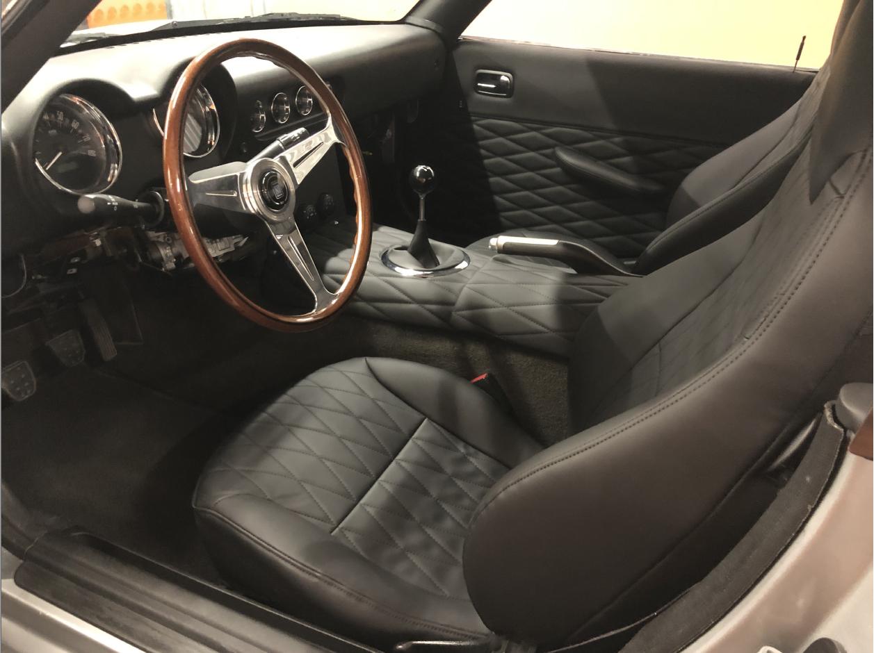 Pontiac Solstice Ferrari Replica interior