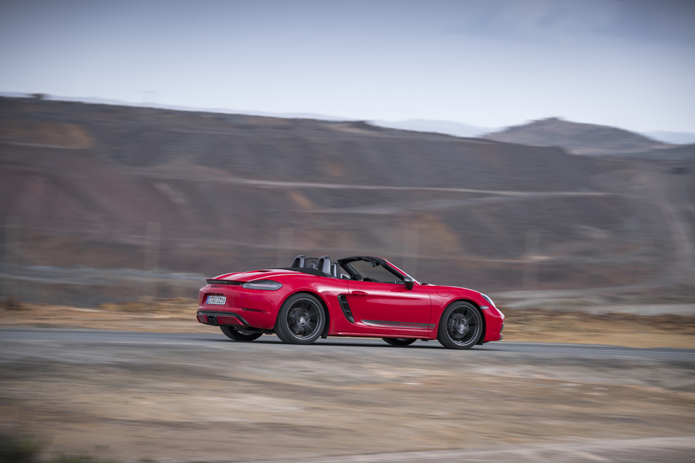 Porsche 718 Boxster T Side profile driving