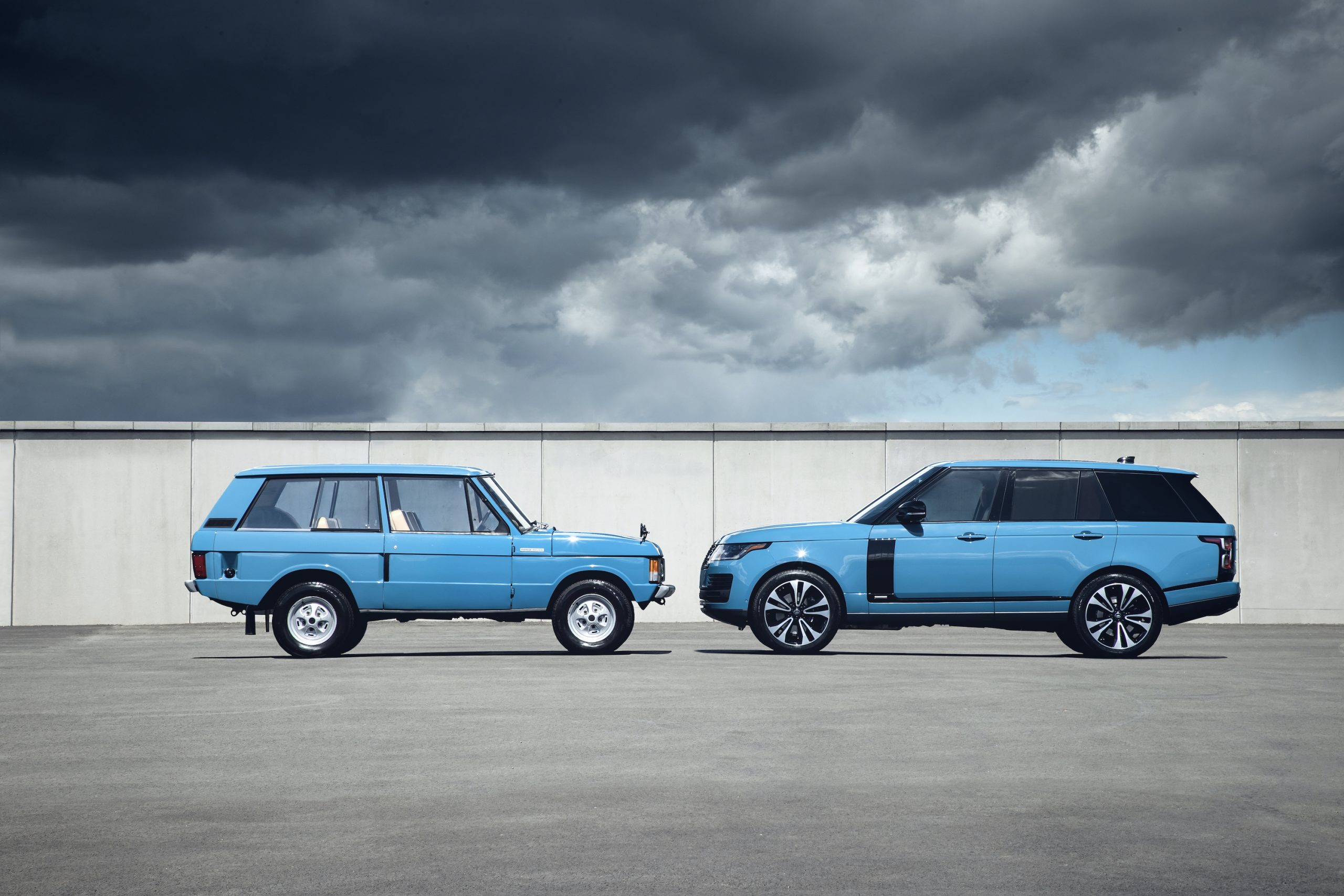 Range Rover New And Classic Side Profiles