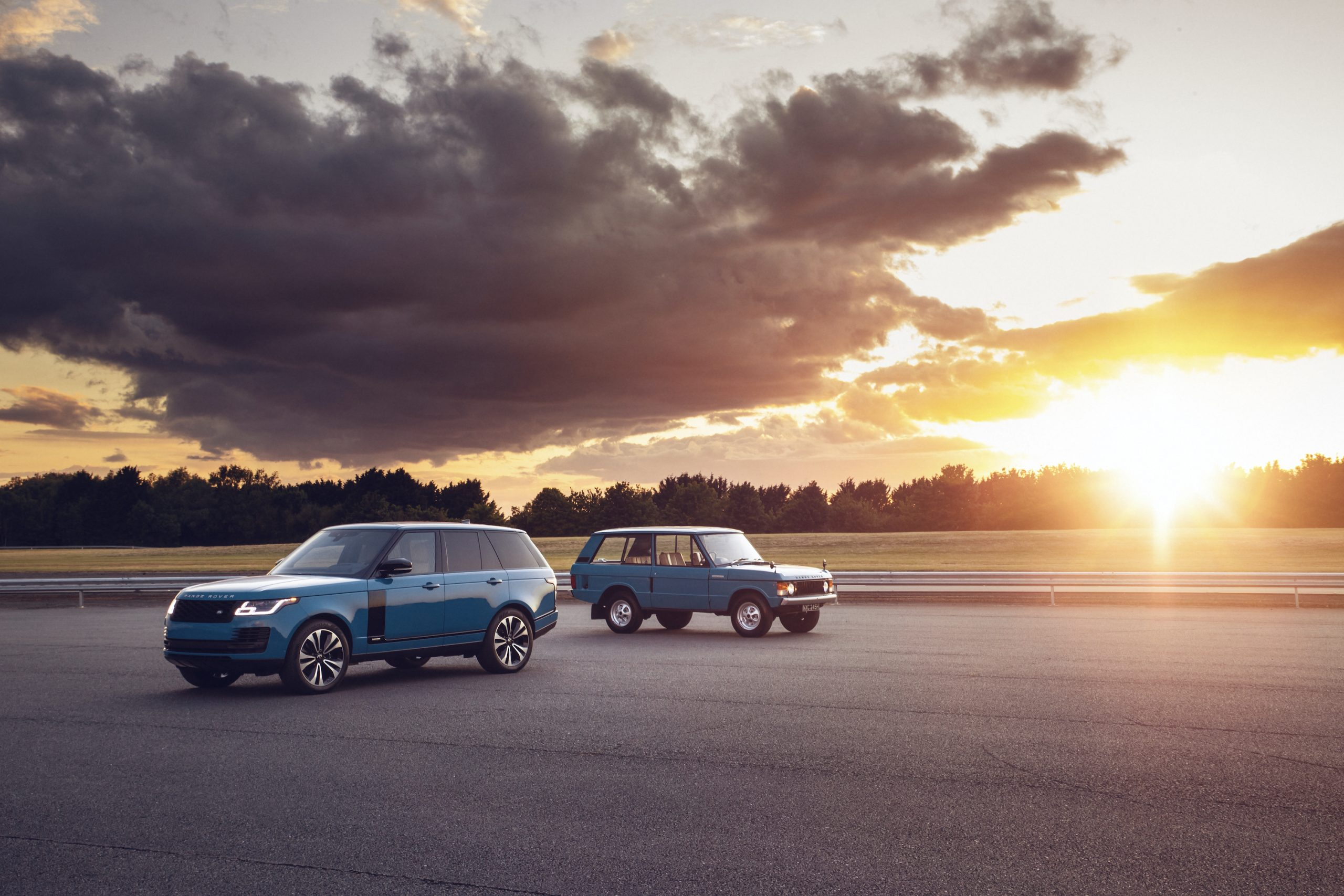 Range Rover New And Classic Front Three-Quarter Sunset