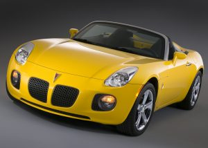 2007 Pontiac Solstice production front three-quarter