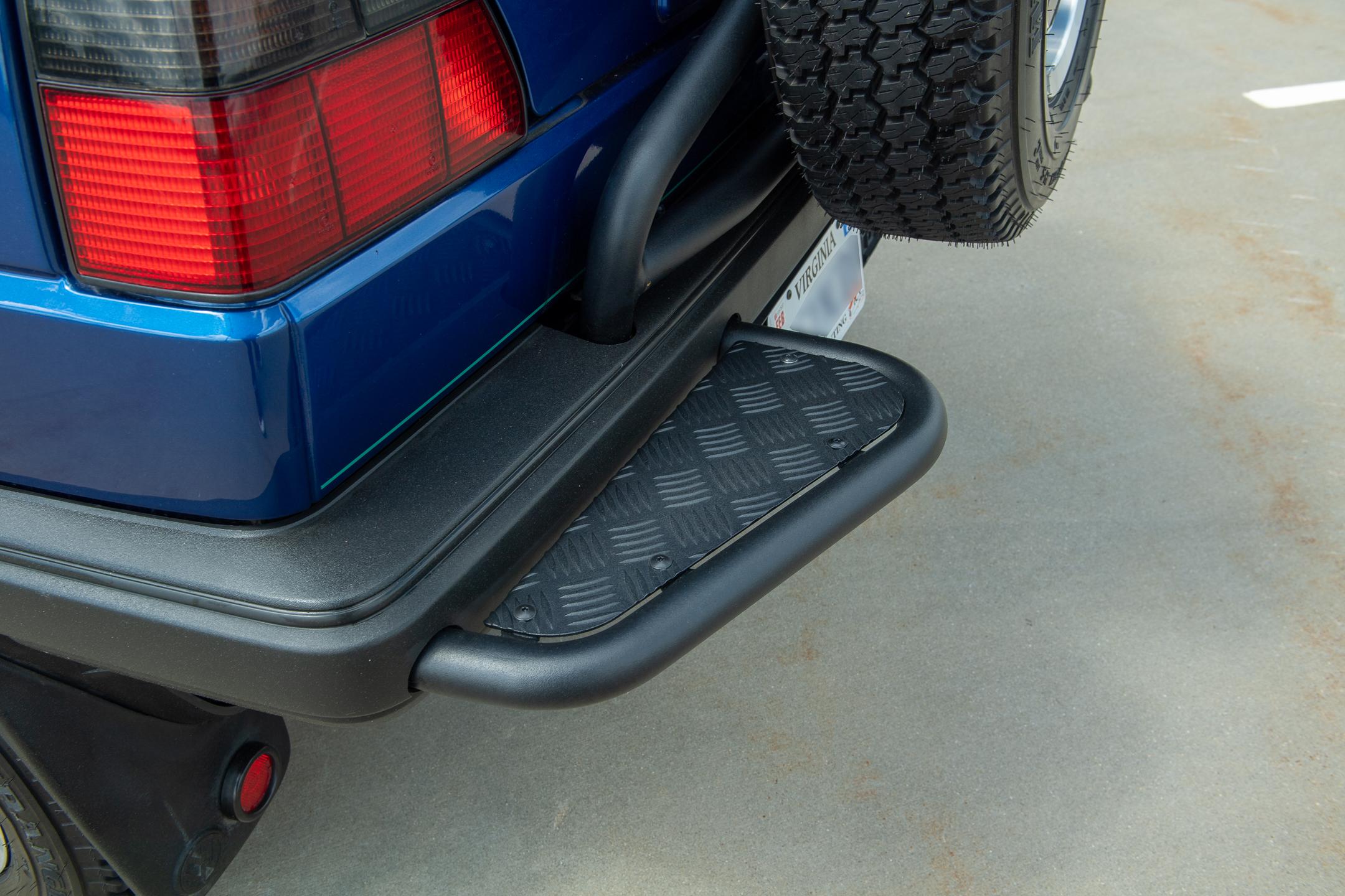 Volkswagen Golf Country rear bumper step