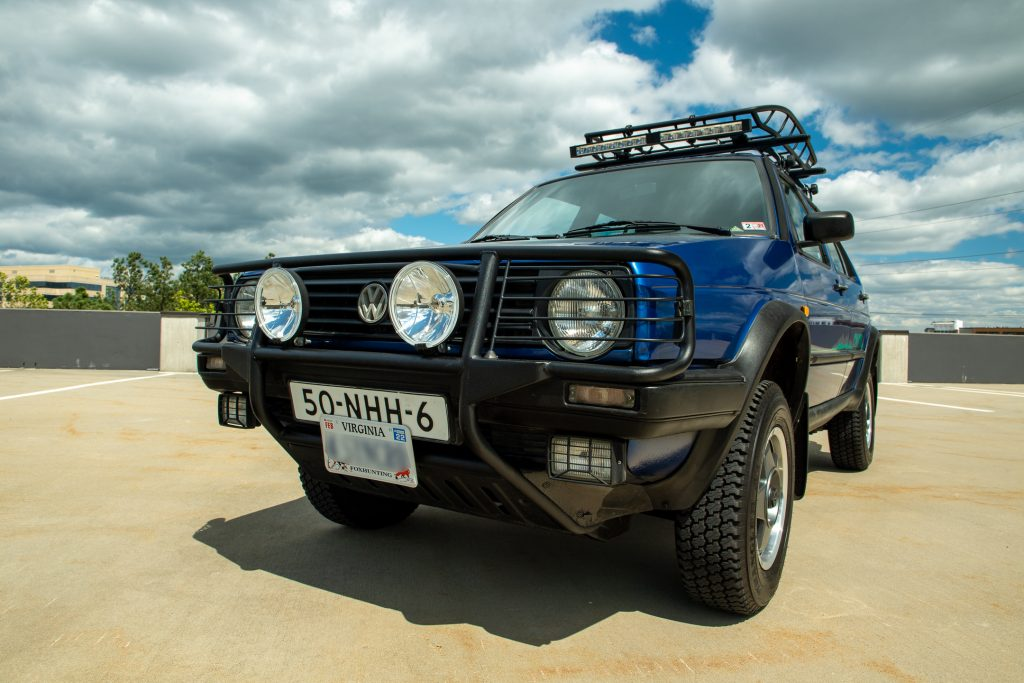 Volkswagen Golf Country front three quarter low angle