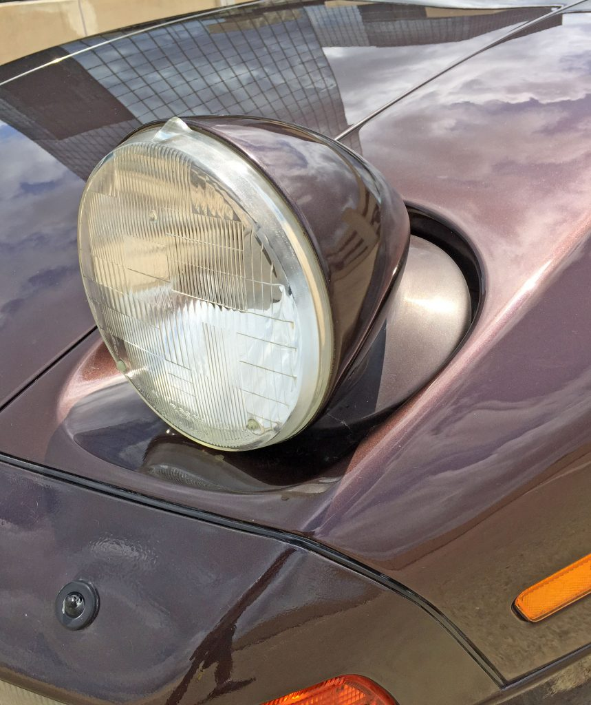Porsche 928 S4 headlight