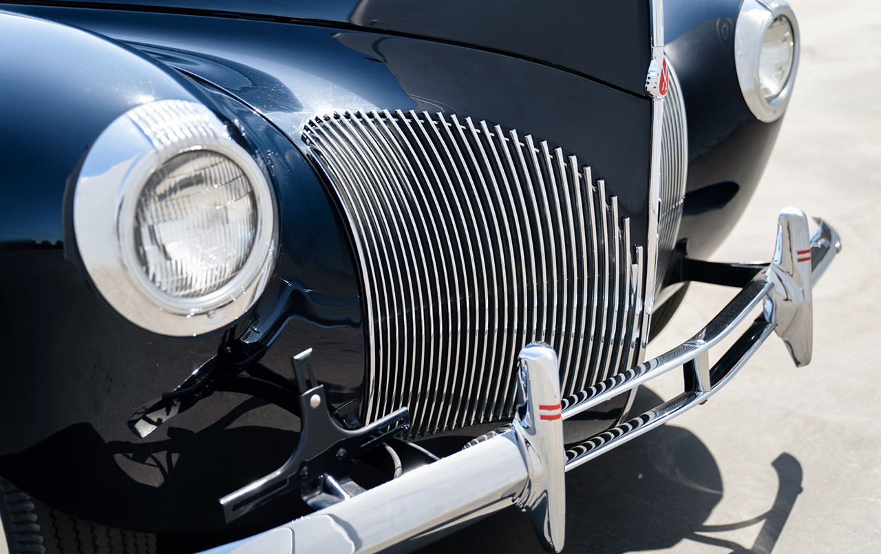 1940 Lincoln-Zephyr Continental Convertible grille front
