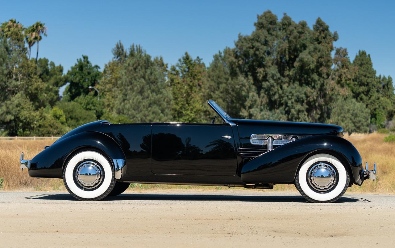 1937 Cord 812 S/C Phaeton profile