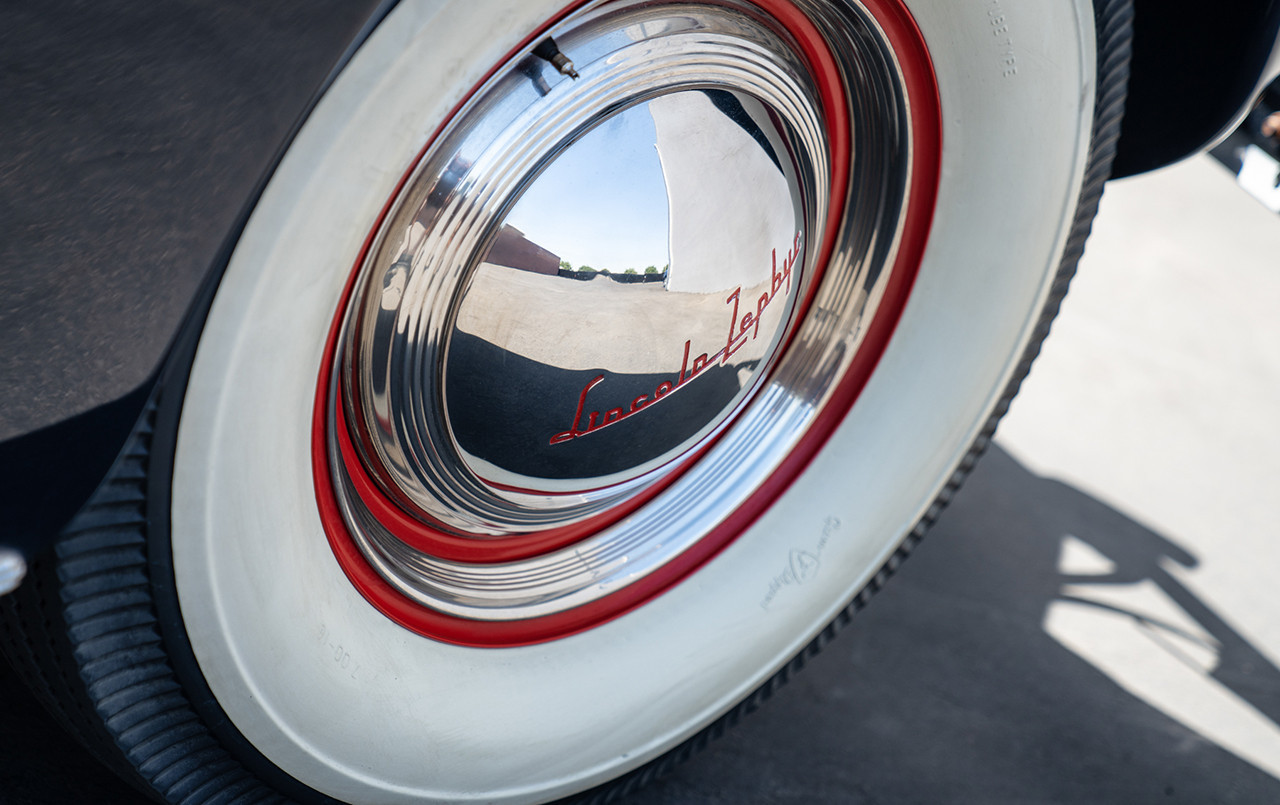 1940 Lincoln-Zephyr Continental Convertible chrome hubcap whitewall