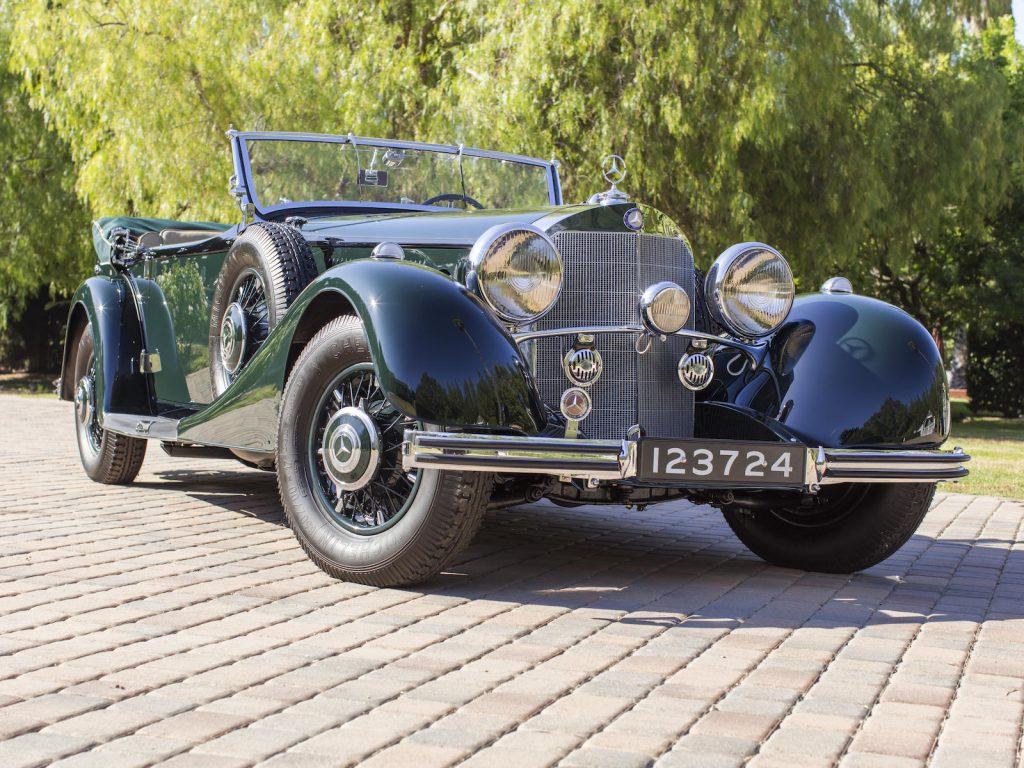 1936 Mercedes-Benz 500K Offener Tourenwagen front three-quarter