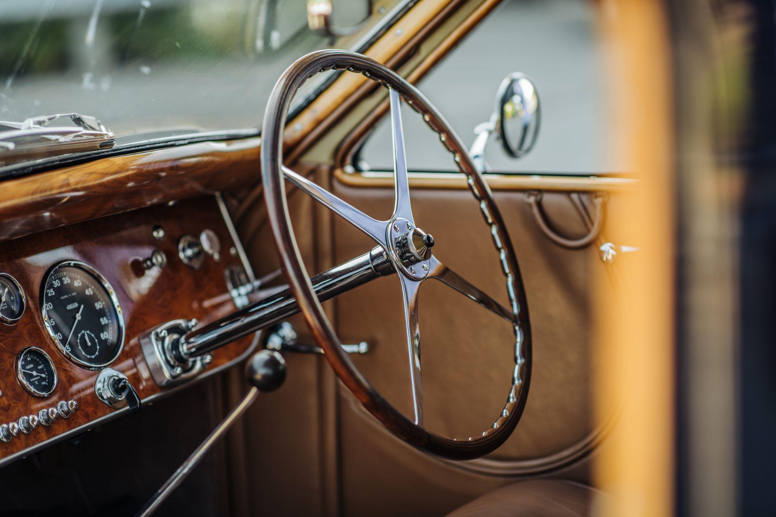 Bugatti 57C Ventoux steering wheel interior