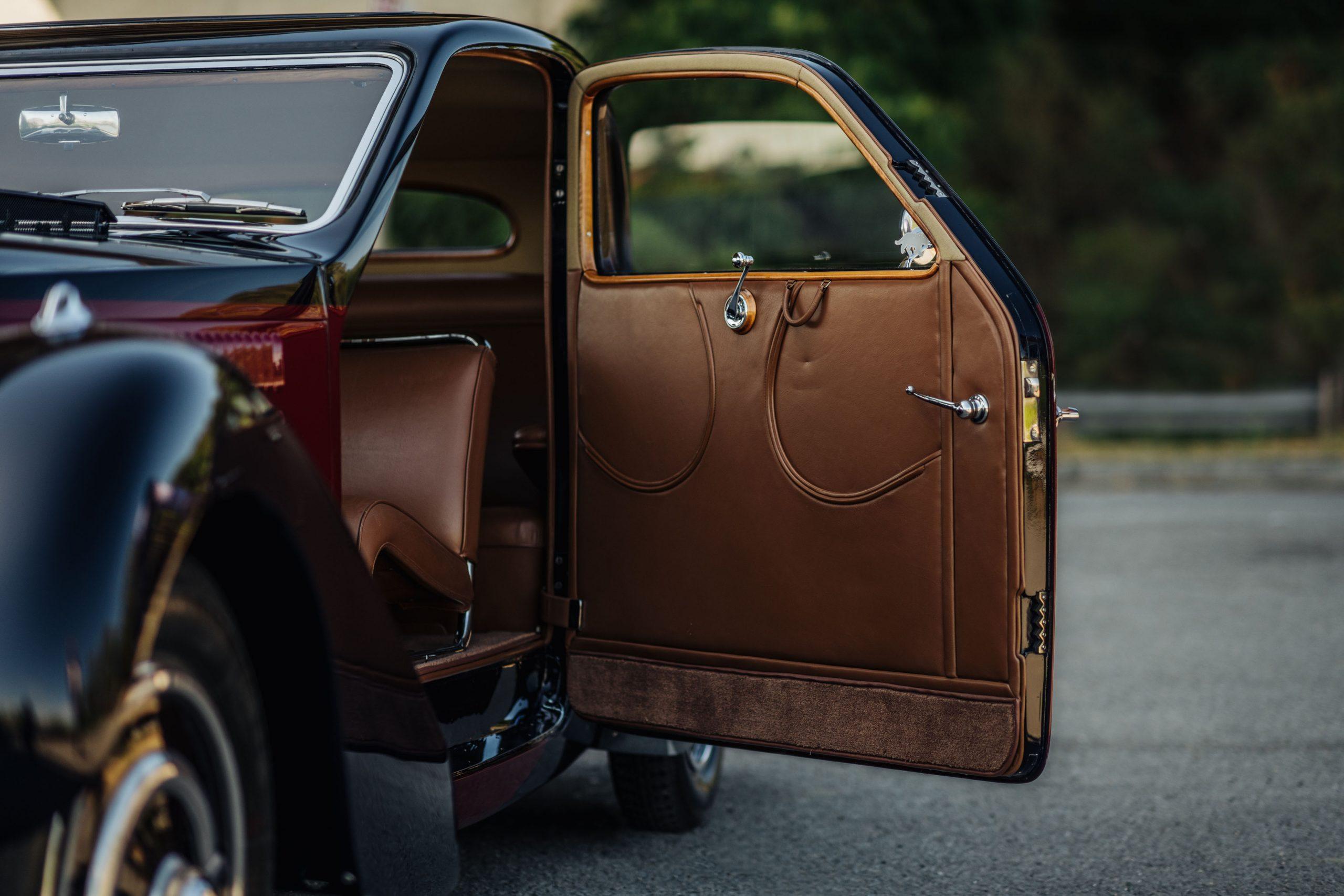 Bugatti 57C Ventoux open door leather
