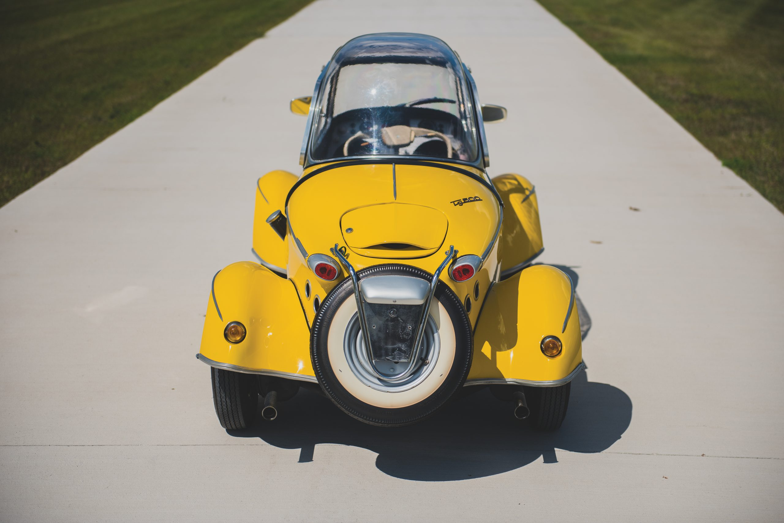 Yellow 1960 FMR Tg 500 Tiger rear