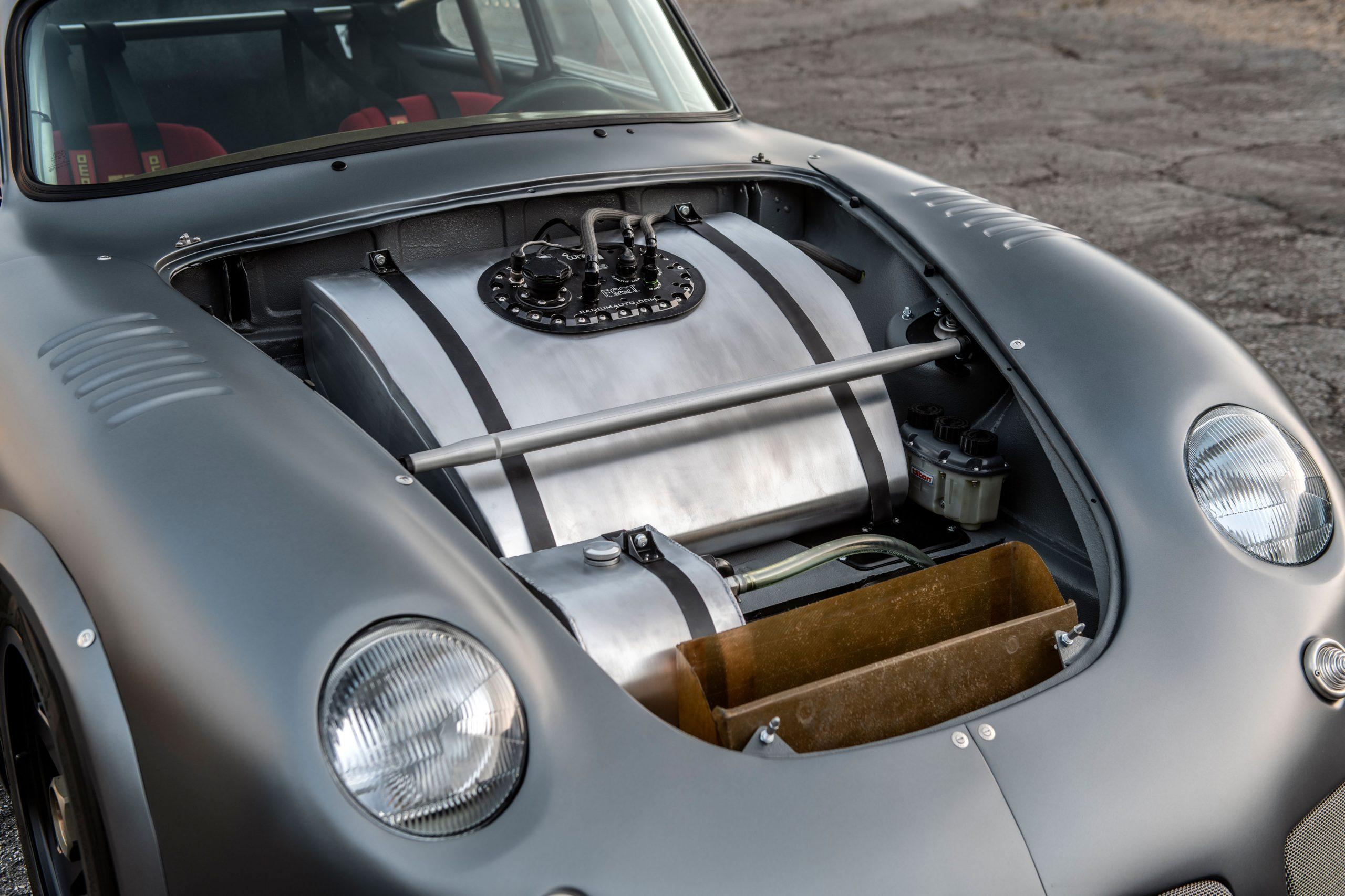 1960-Porsche-356-RSR-Outlaw-by-MOMO_Emory_35