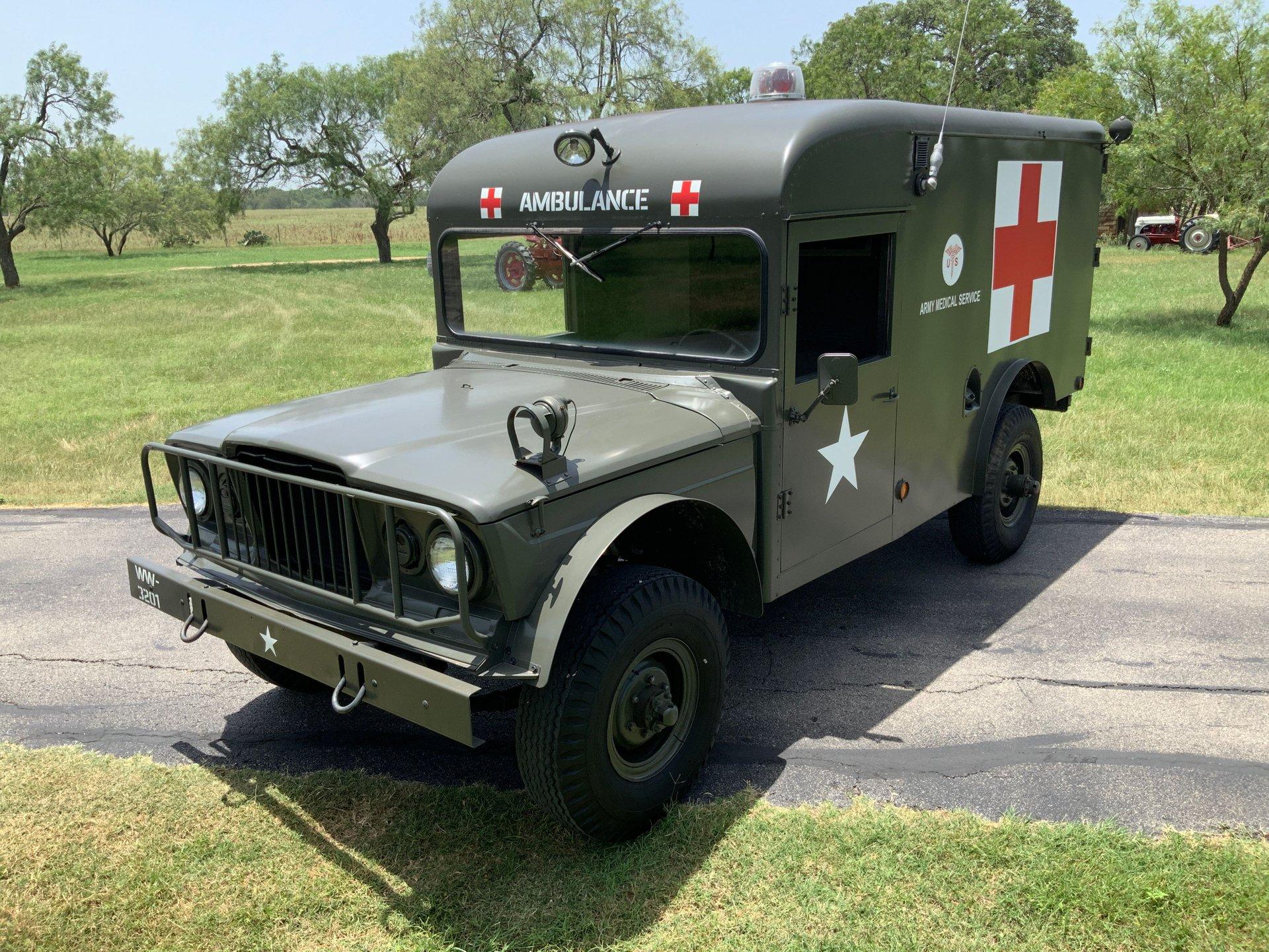 1967 Jeep M725 Ambulance Front Three-Quarter