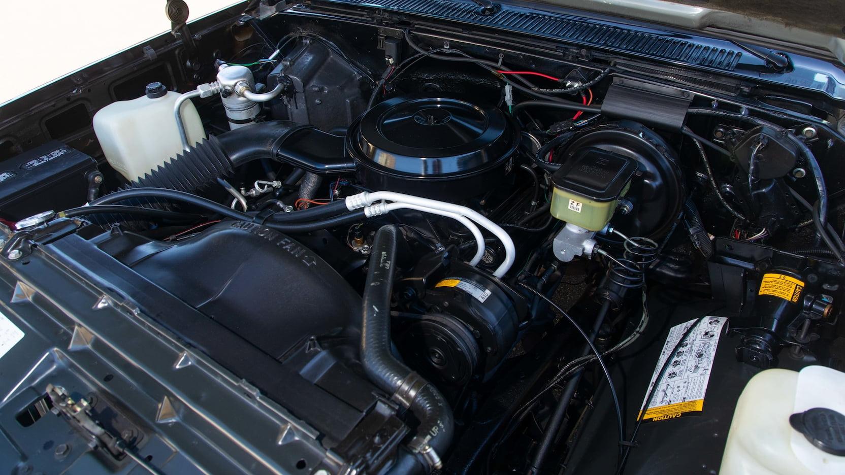 1969 Chevrolet K5 Blazer Engine