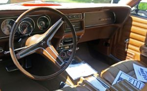1970 Mercury Cougar 2dr brown interior