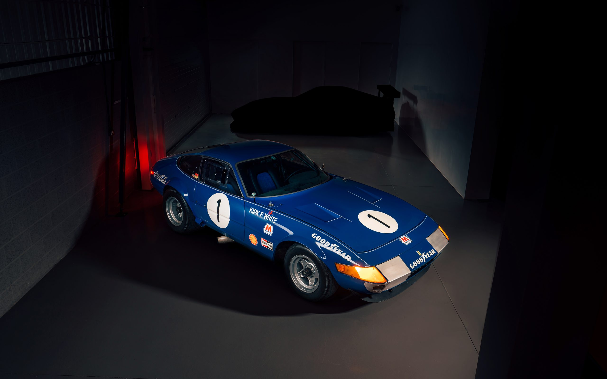 Ferrari 365 GTB:4 Daytona front three-quarter