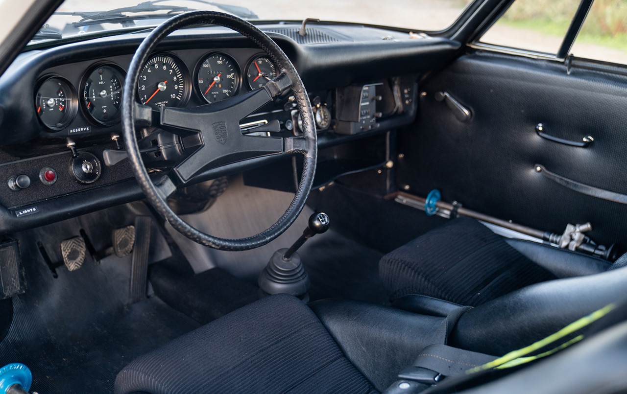 Porsche 911 ST Rally Car interior cockpit