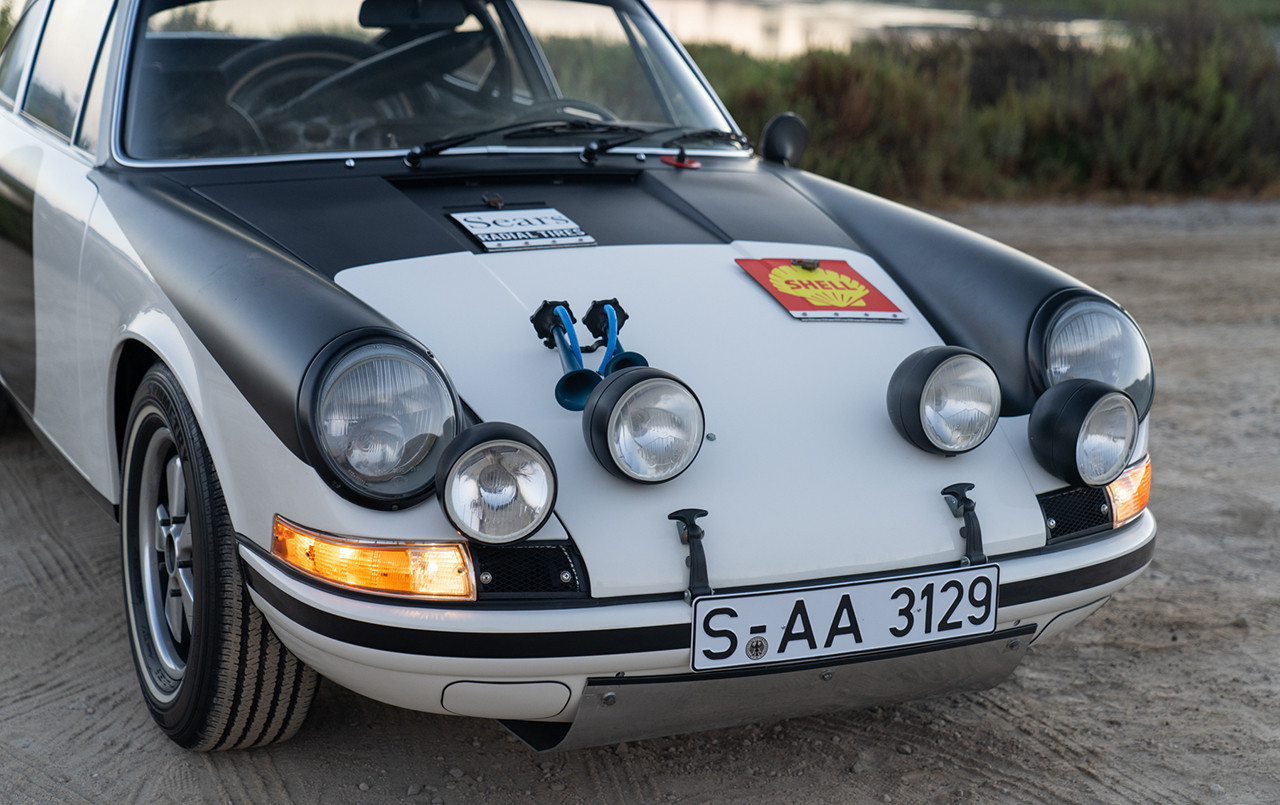 Porsche 911 ST Rally Car front fascia lights