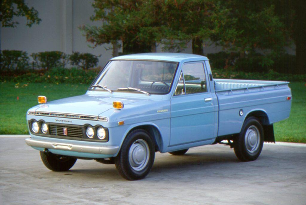 1971 Toyota Hilux front three-quarter