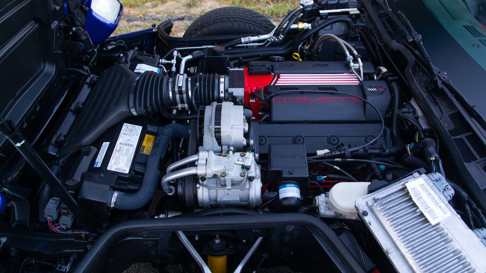 1996 Chevrolet Corvette Grand Sport Coupe Engine