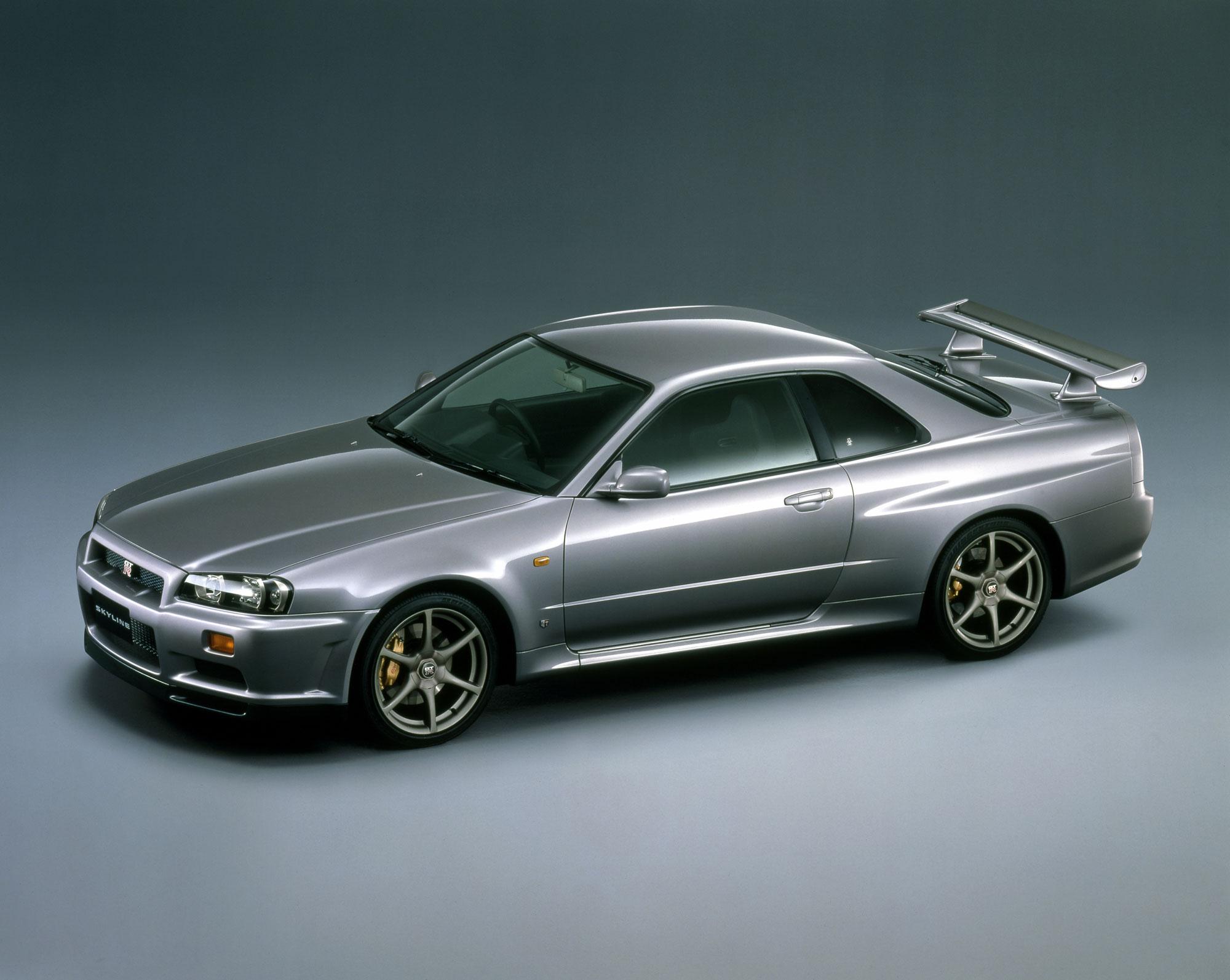 1999 Skyline GT-R front three-quarter