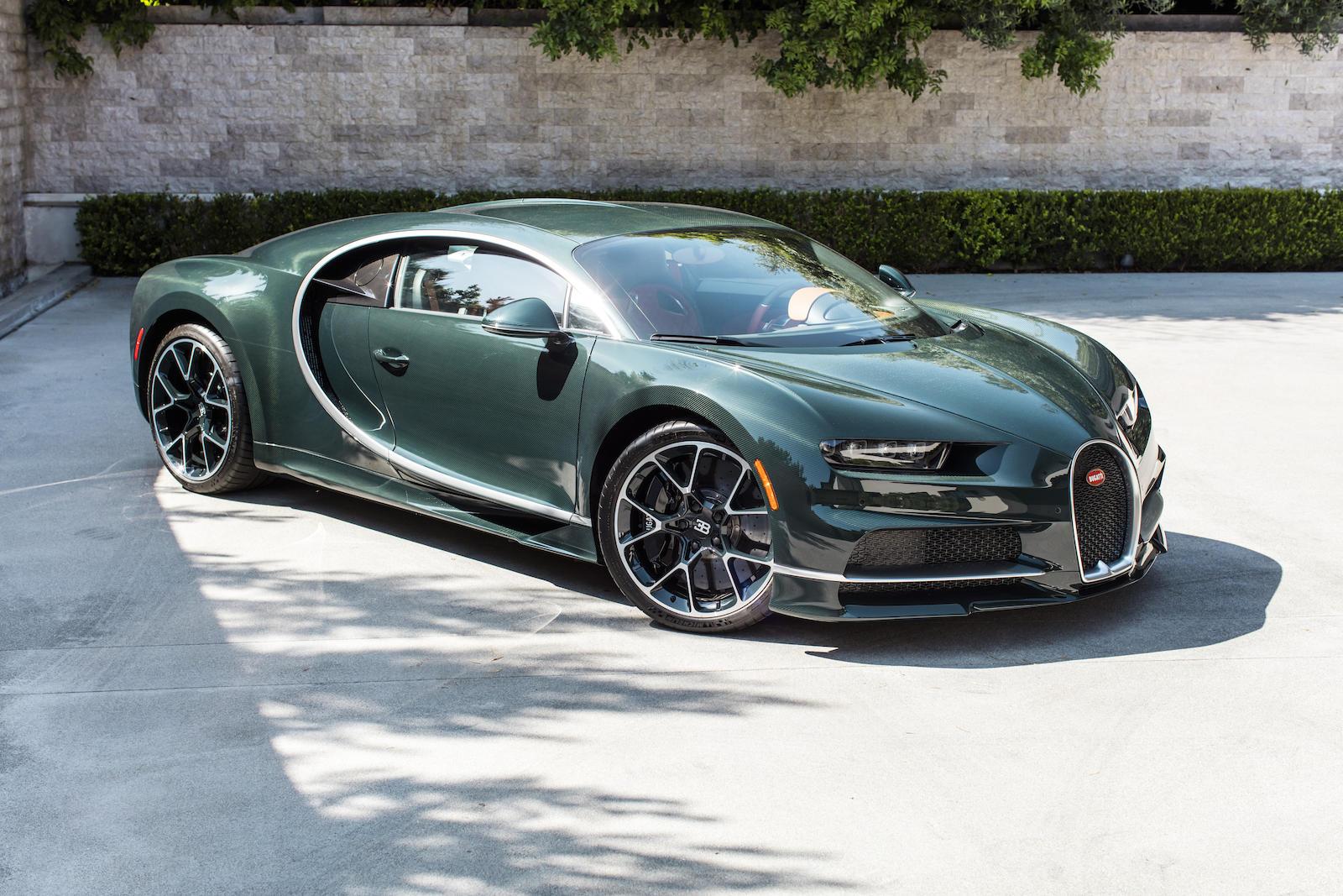 Bugatti Chiron front three-quarter
