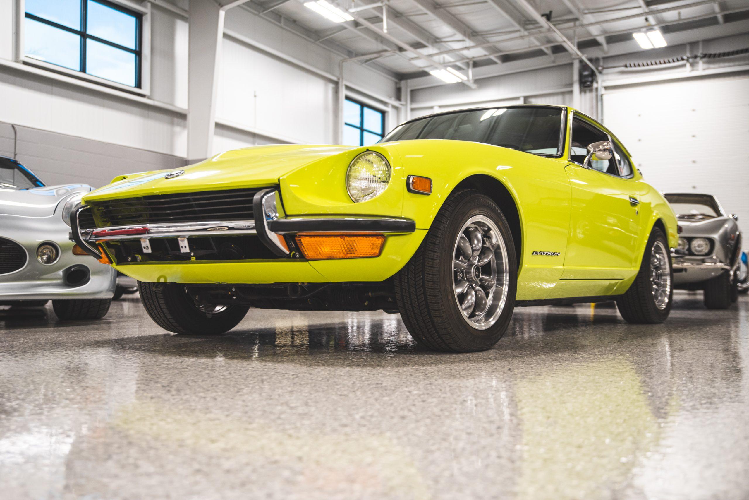 1972 datsun 240z front three-quarter close