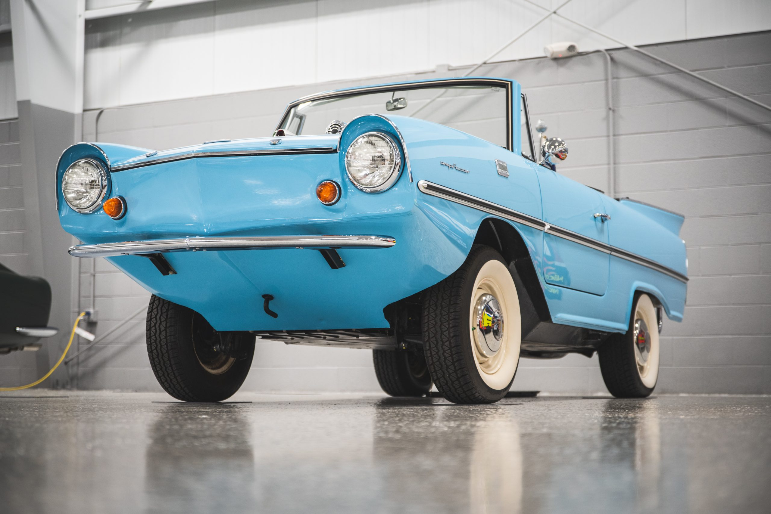 1966 amphicar 770 front three-quarter