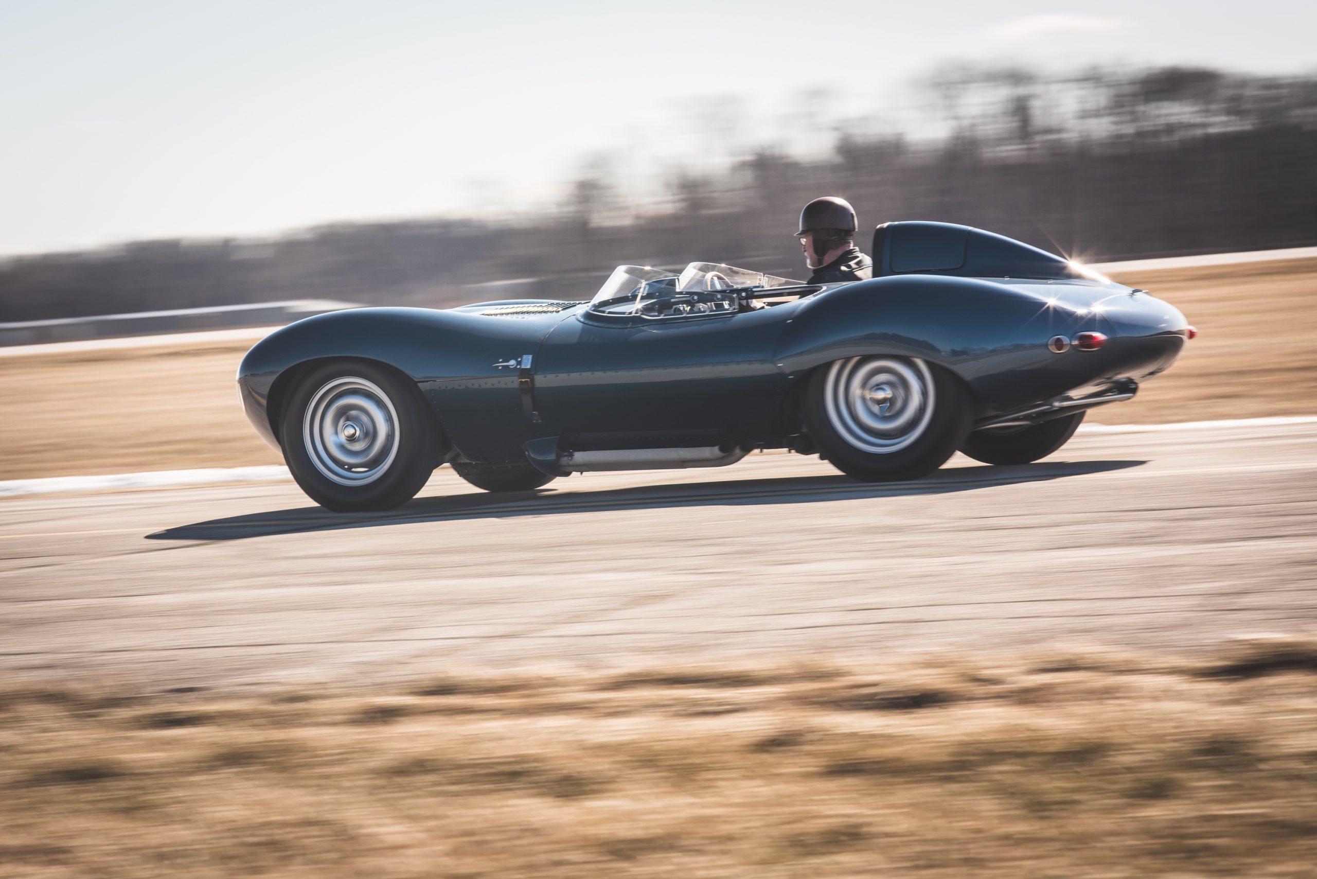 1955 Jaguar D-Type Continuation action