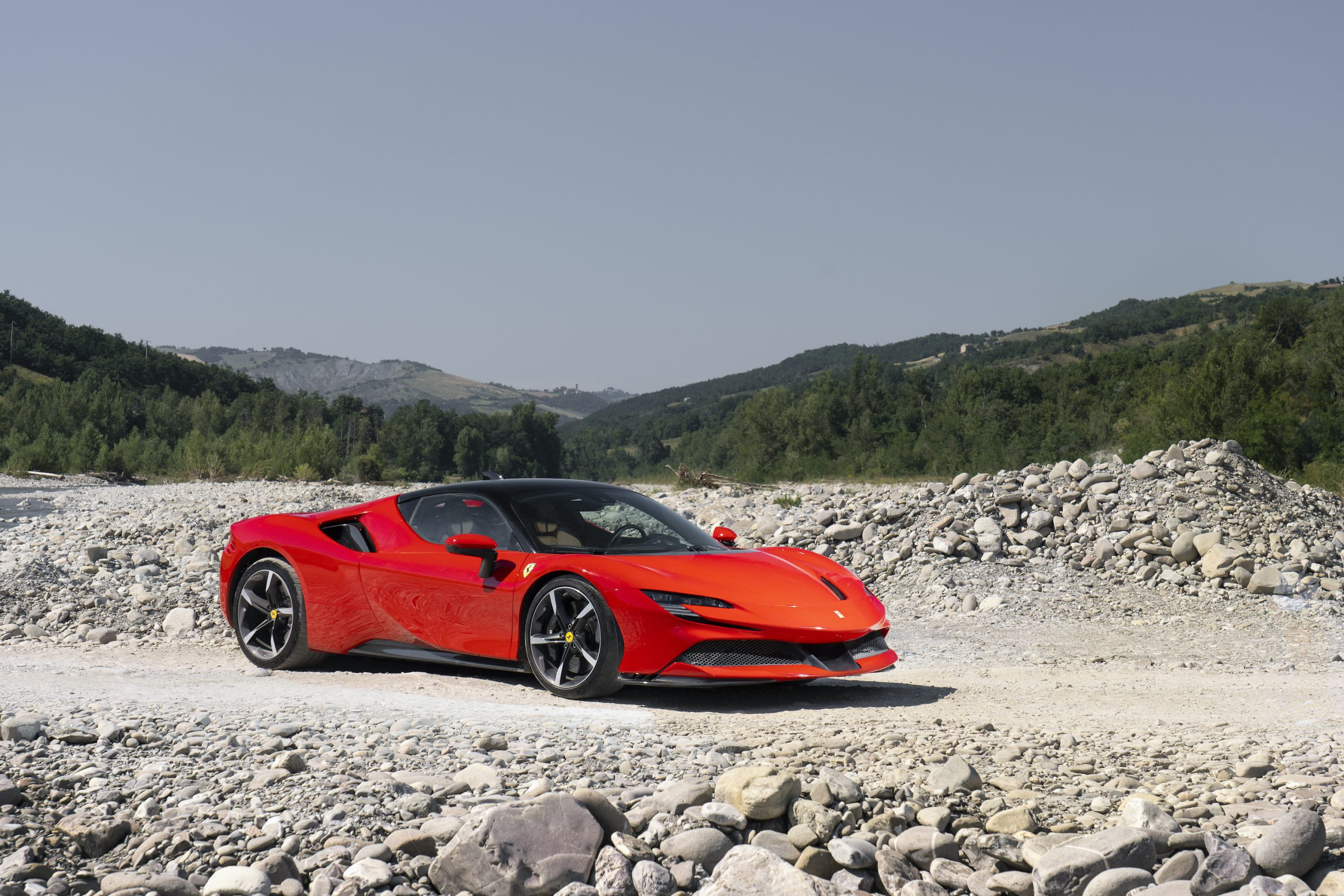 SF90 Stradale riverbed front three-quarter