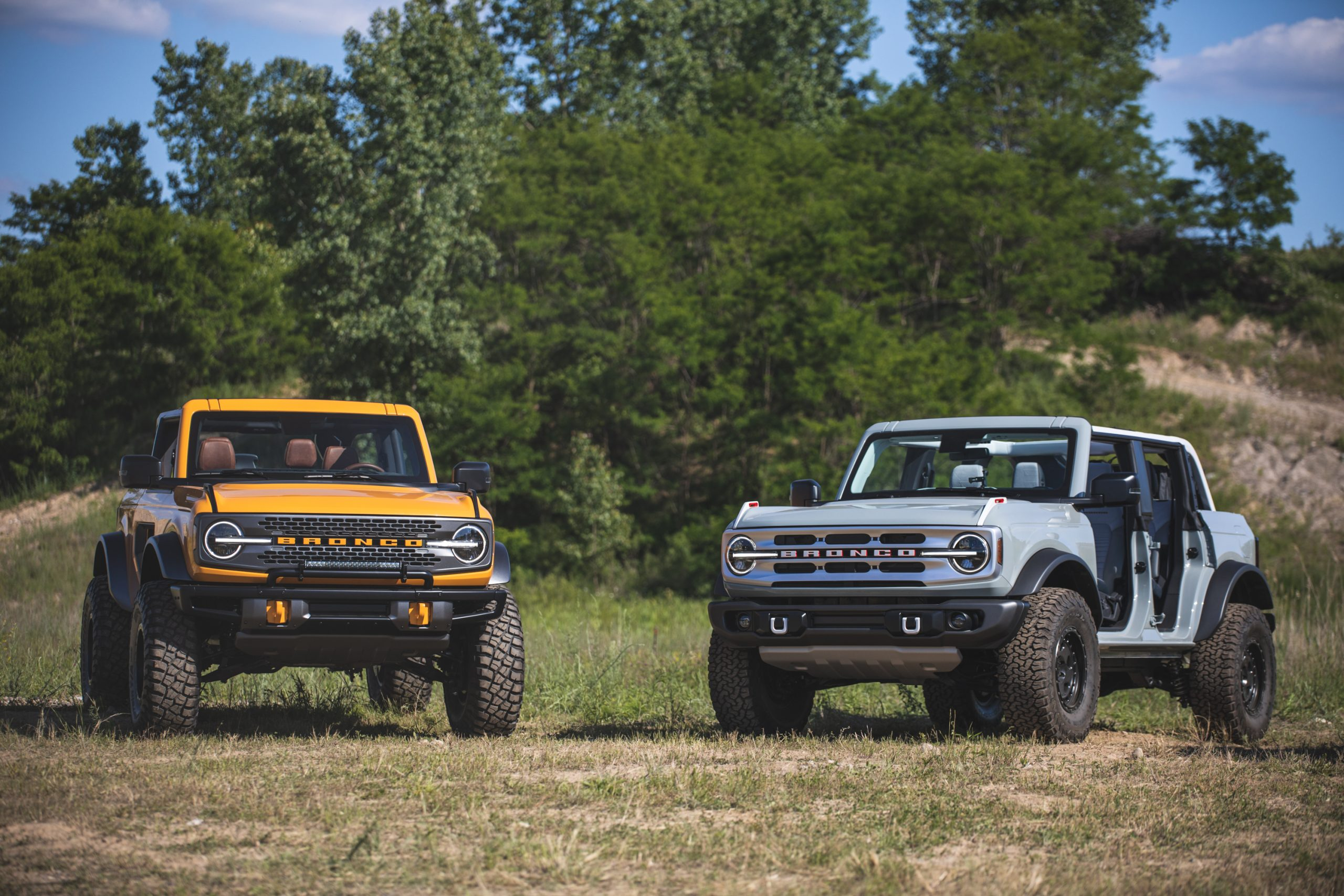 2021 Ford Broncos Front