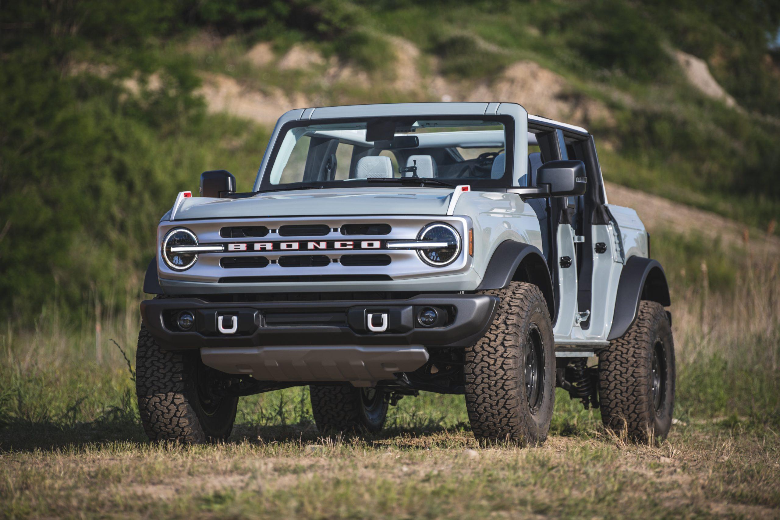 2021 Ford Bronco Four Door Front Three-Quarter