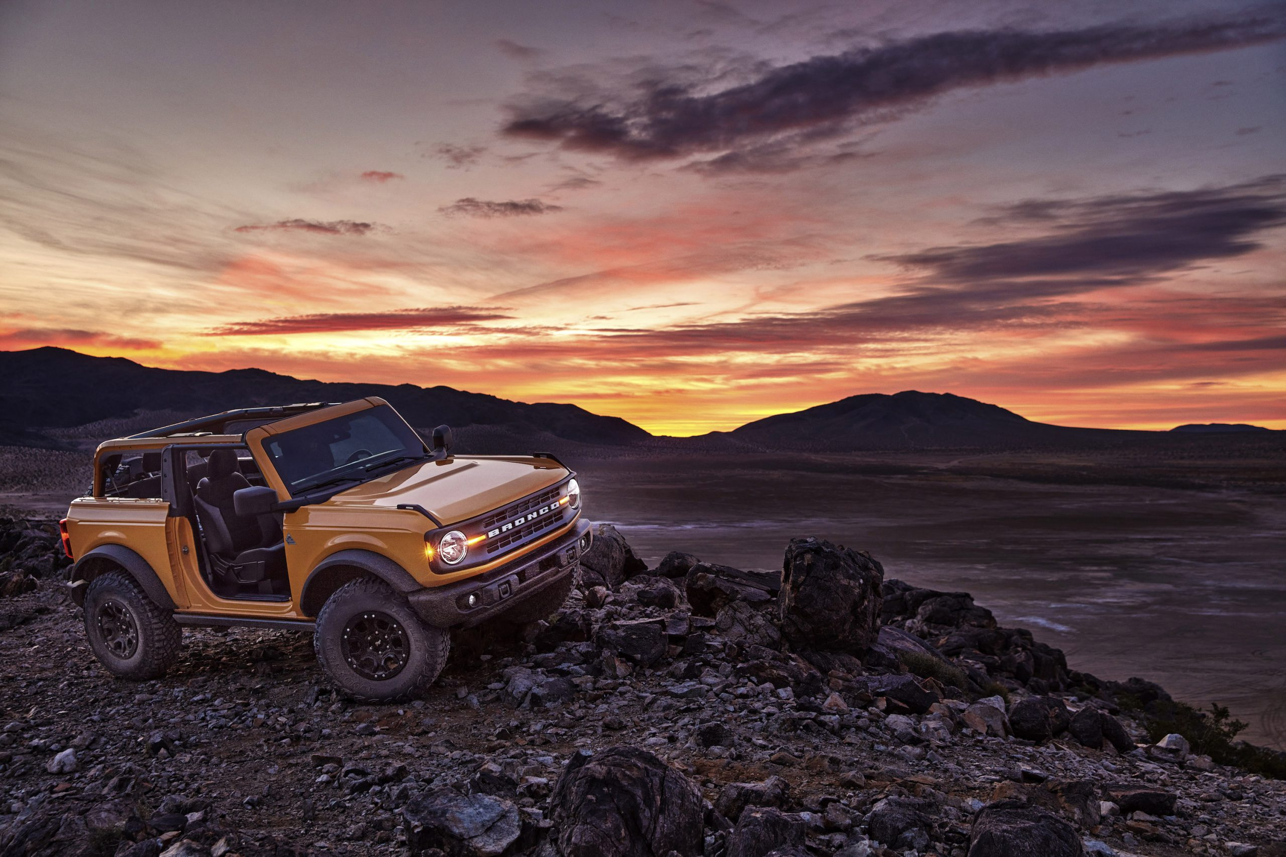 2021 Ford Bronco Two Door Front Three-Quarter Sunset