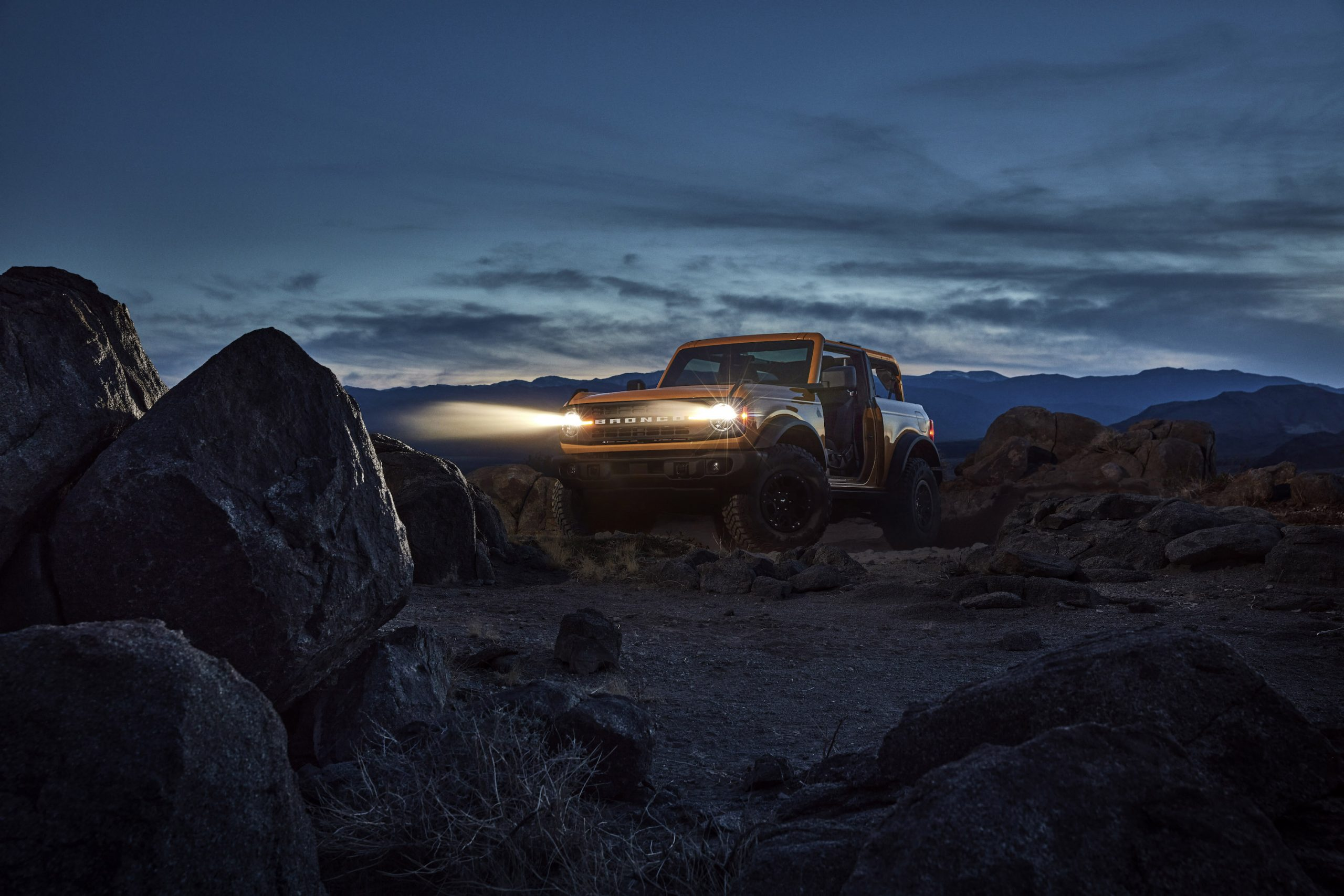 2021 Ford Bronco Two Door Front Three-Quarter Night