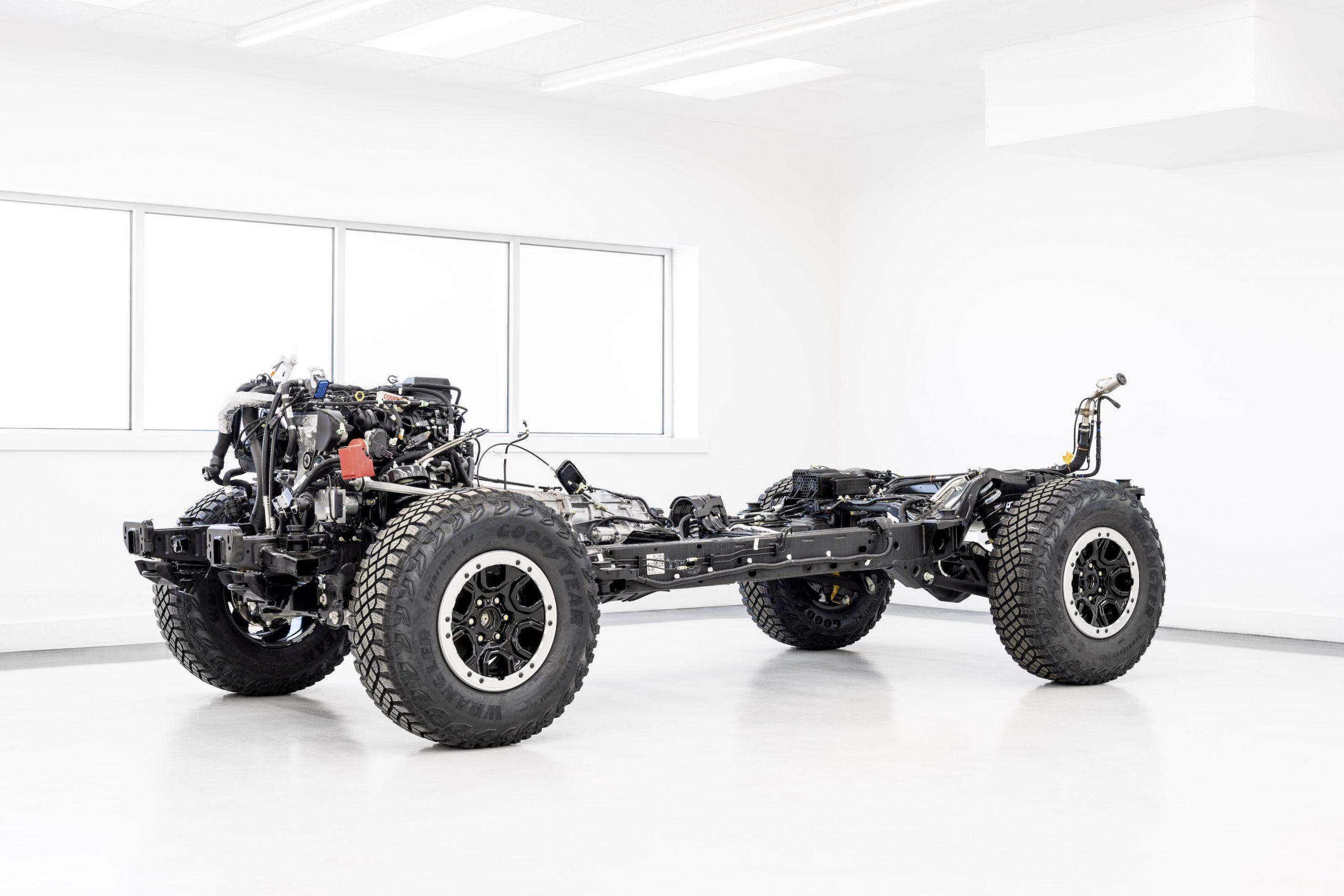 2021 Ford Bronco Chassis Front Three-Quarter