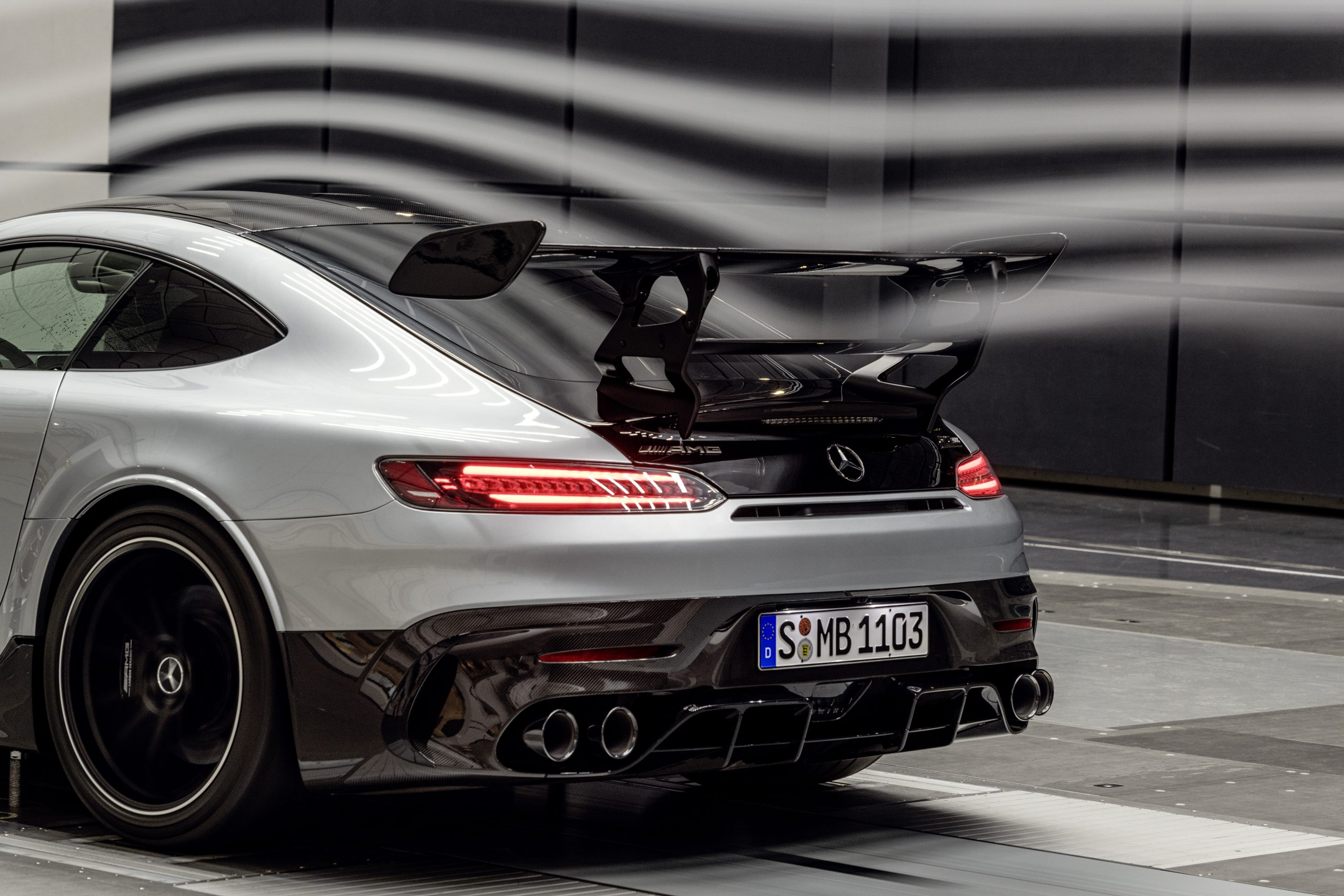 Mercedes-AMG GT Black Series Wing Wind Stream Close