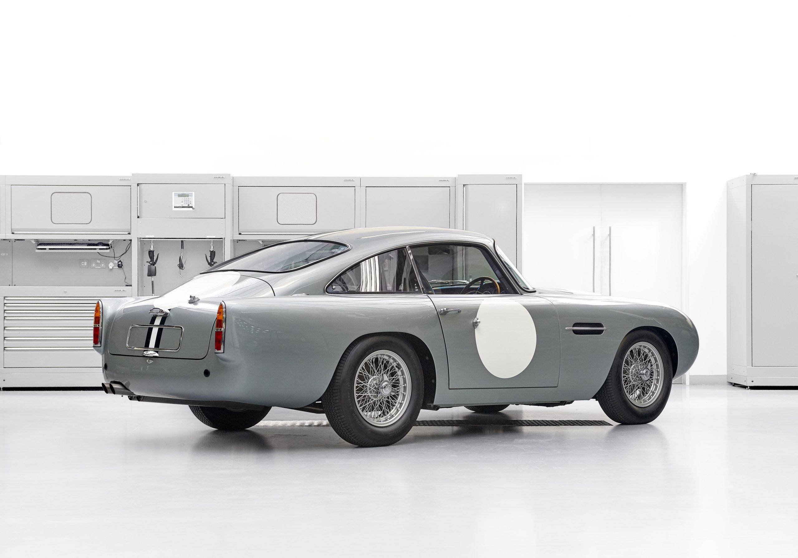 Aston Martin DB4GT Continuation 3