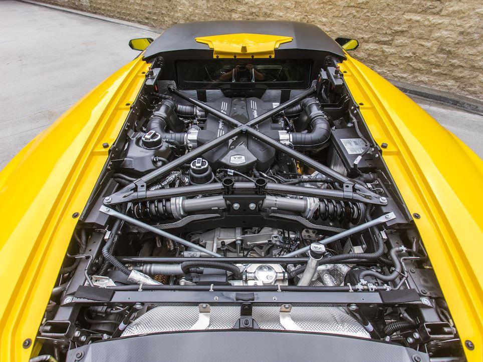 Lamborghini_Centenario_Engine