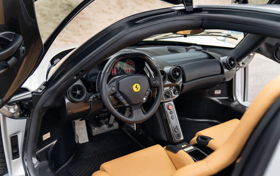 Ferrari_Enzo_Interior