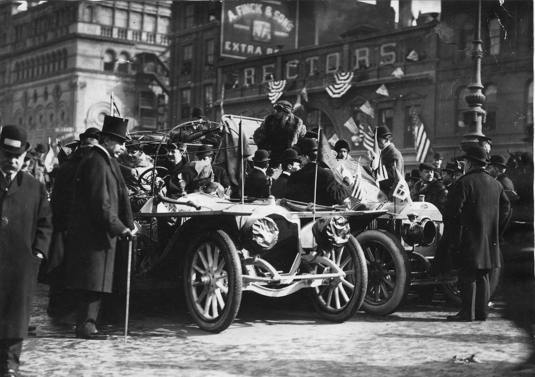 HVA Thomas Flyer - Start of Paris to New York Race