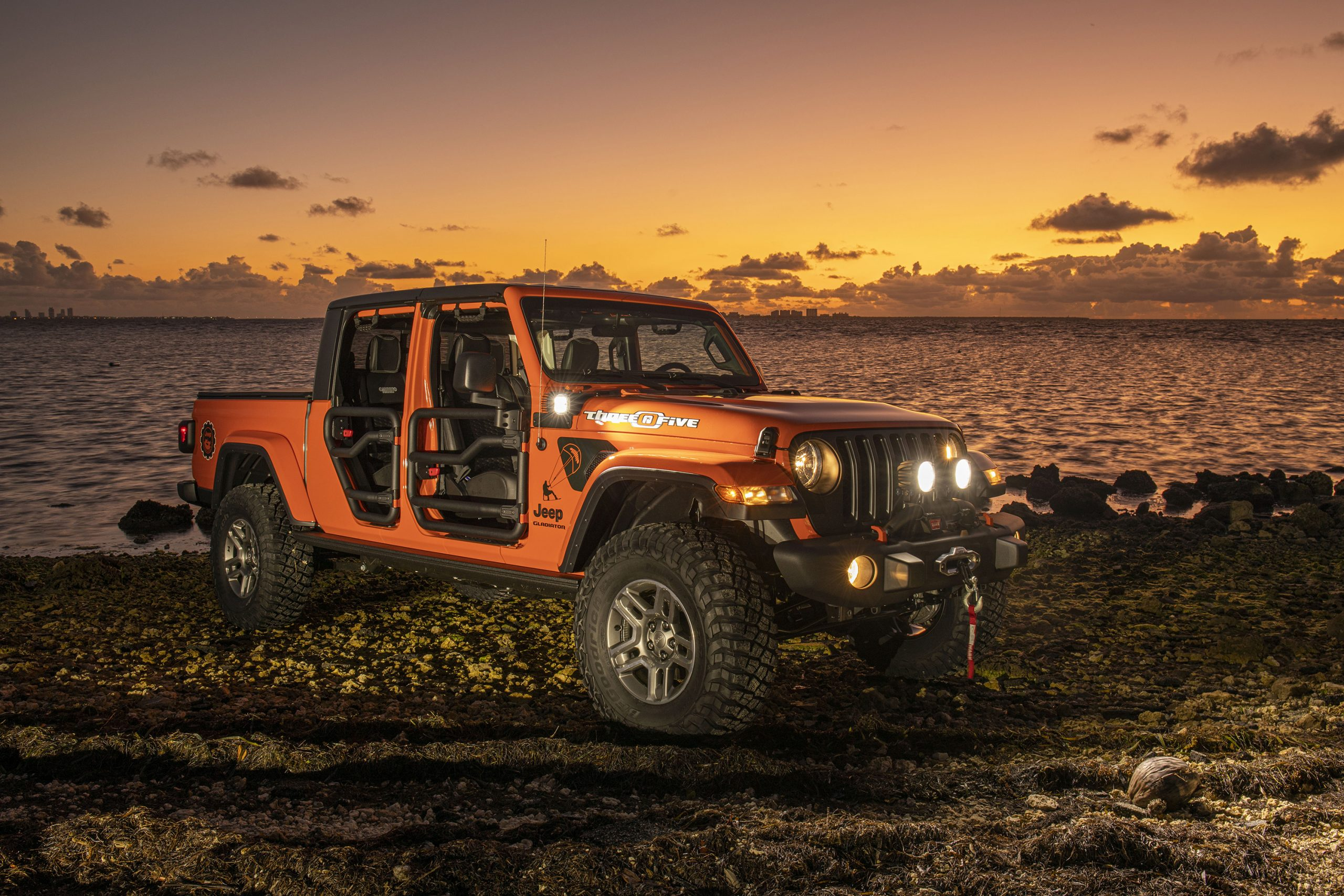 "New 2020 Jeep® Wrangler and Gladiator ""Three O Five"" Editio"