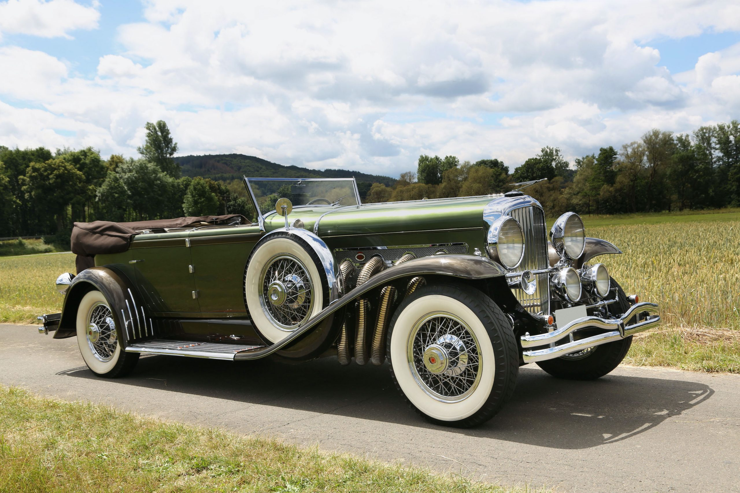 vintage duesenberg front three-quarter