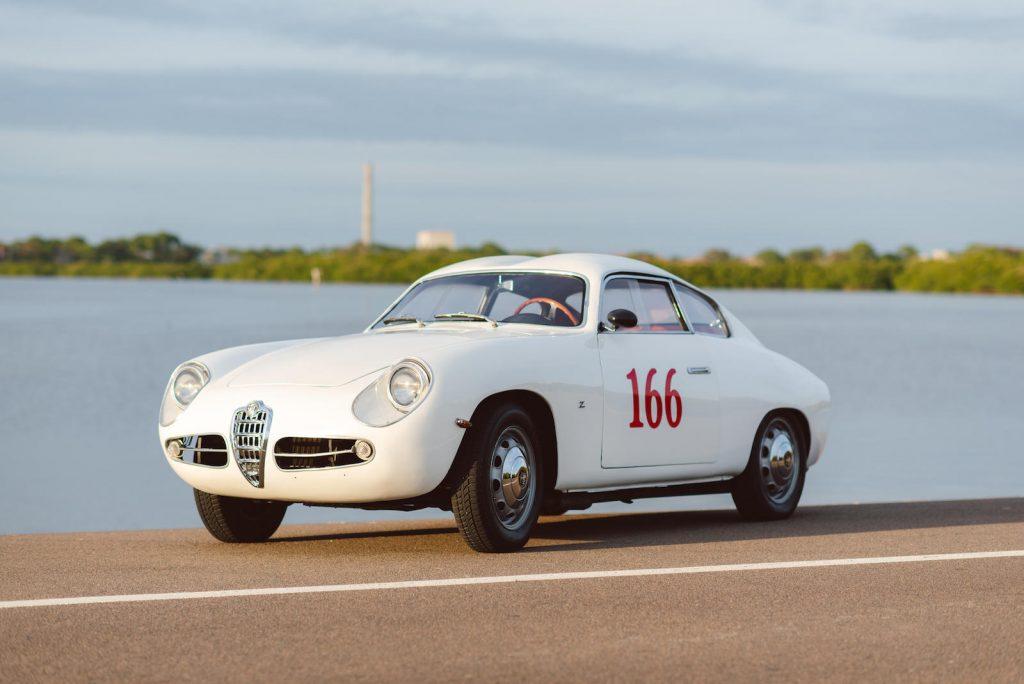 vintage motorsport alfa romeo front three-quarter