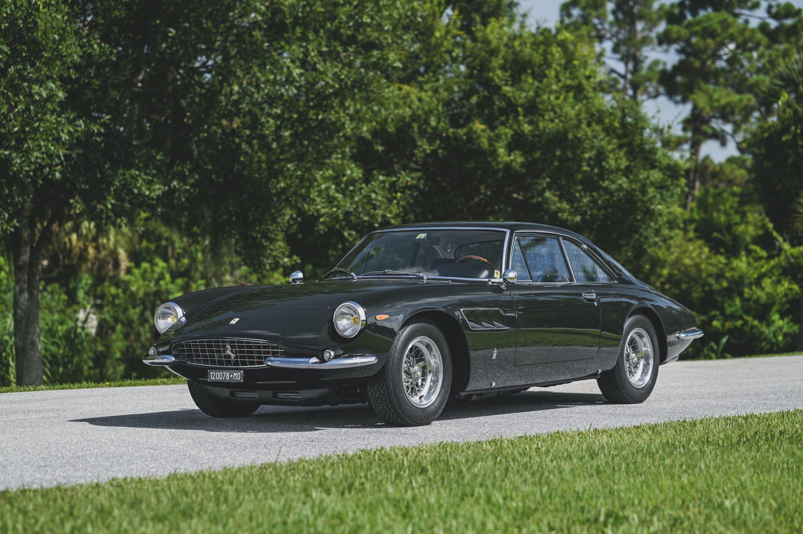 Ferrari 500 Superfast front three-quarter