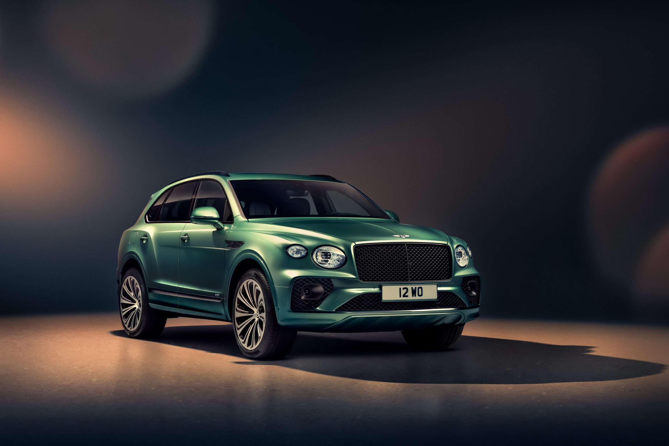 Bentley New Bentayga - Alpine Green - 4
