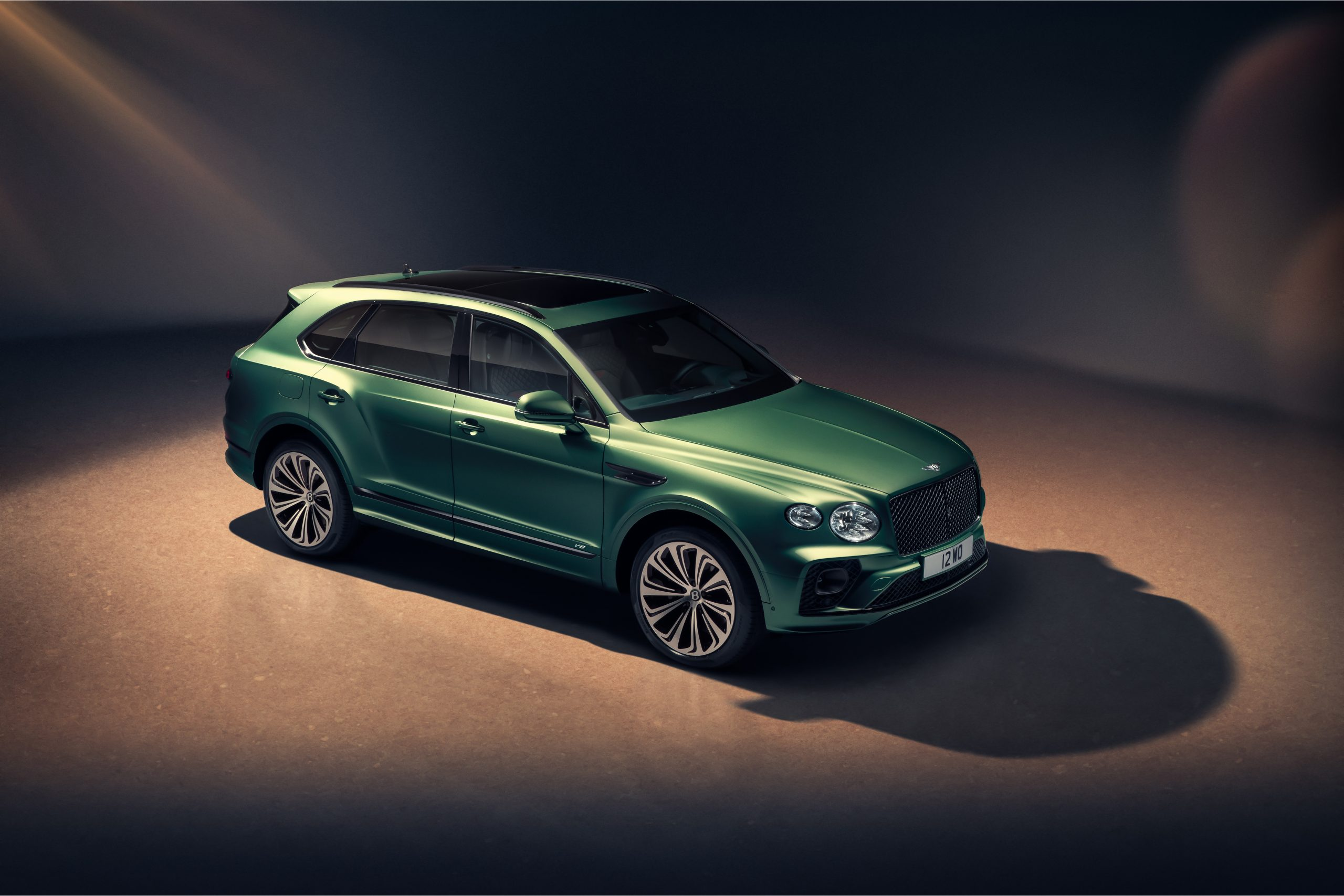 Bentley New Bentayga - Alpine Green - 5